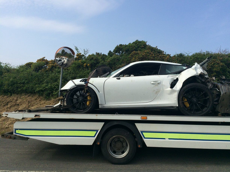 Porsche 911 GT3 RS Crash Isle of Man (1)