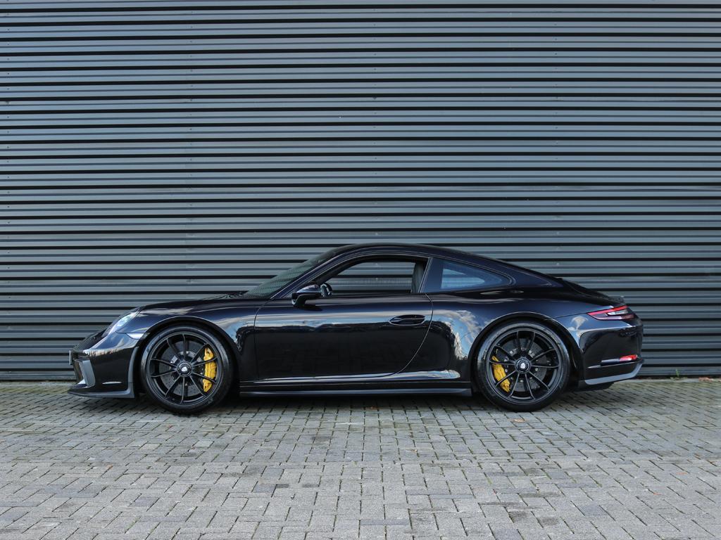 Porsche 911 GT3 Touring Package Victoria Verstappen (2)