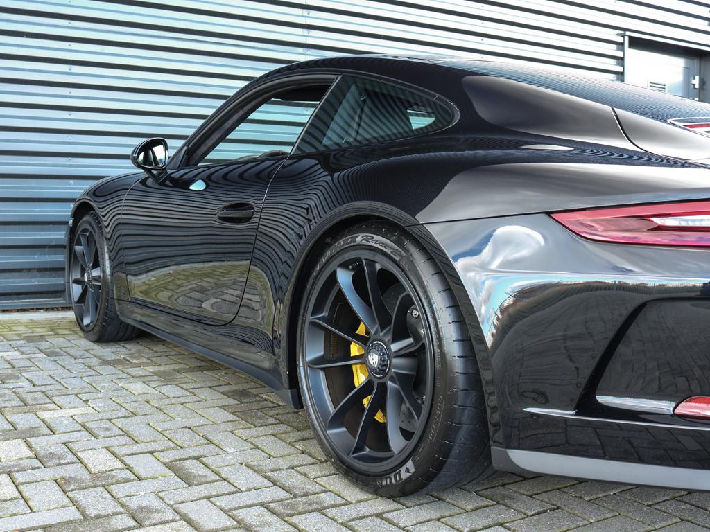 Porsche 911 GT3 Touring Package Victoria Verstappen (6)