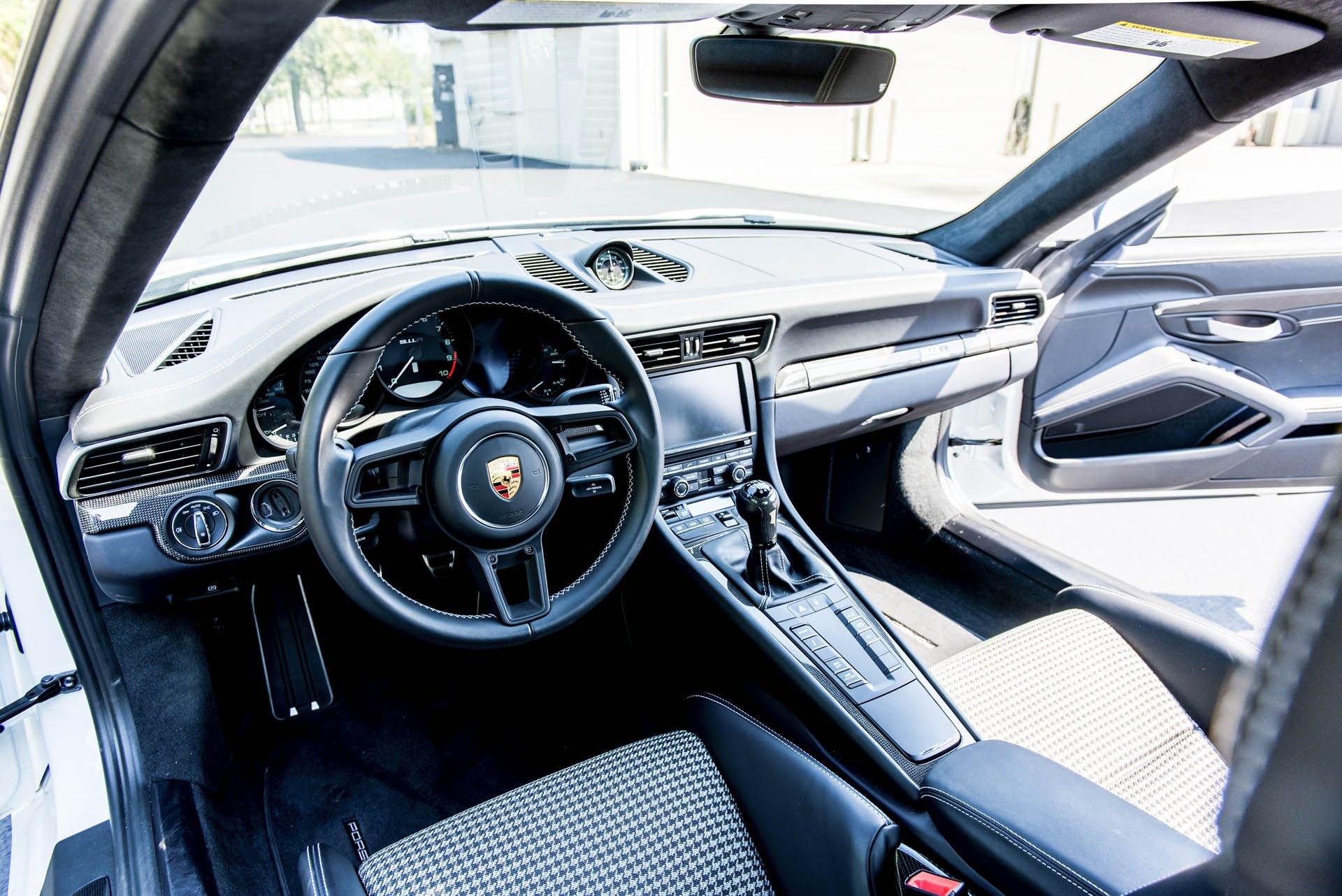 Porsche_911_R_for_sale_0003