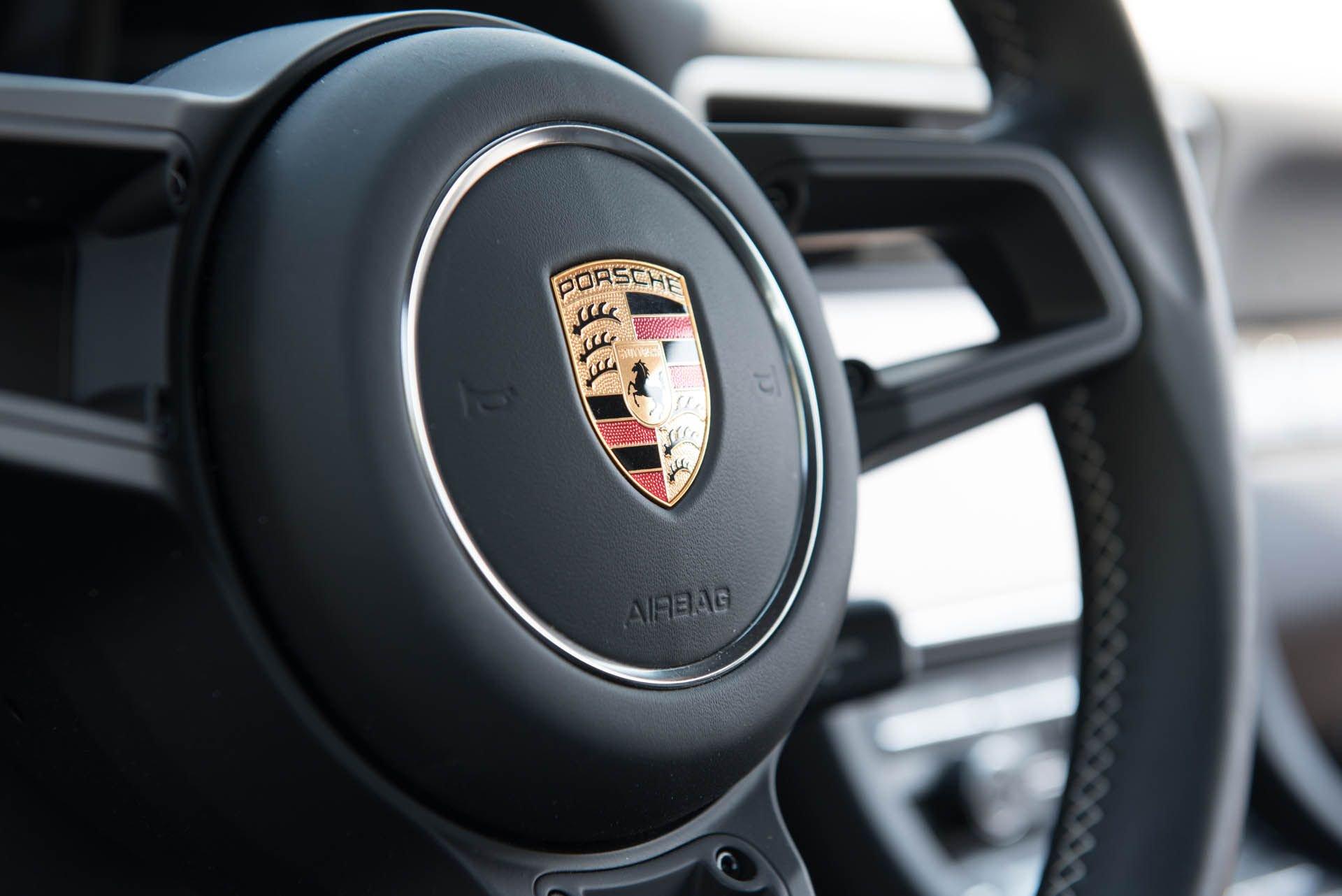 Porsche_911_R_for_sale_0011