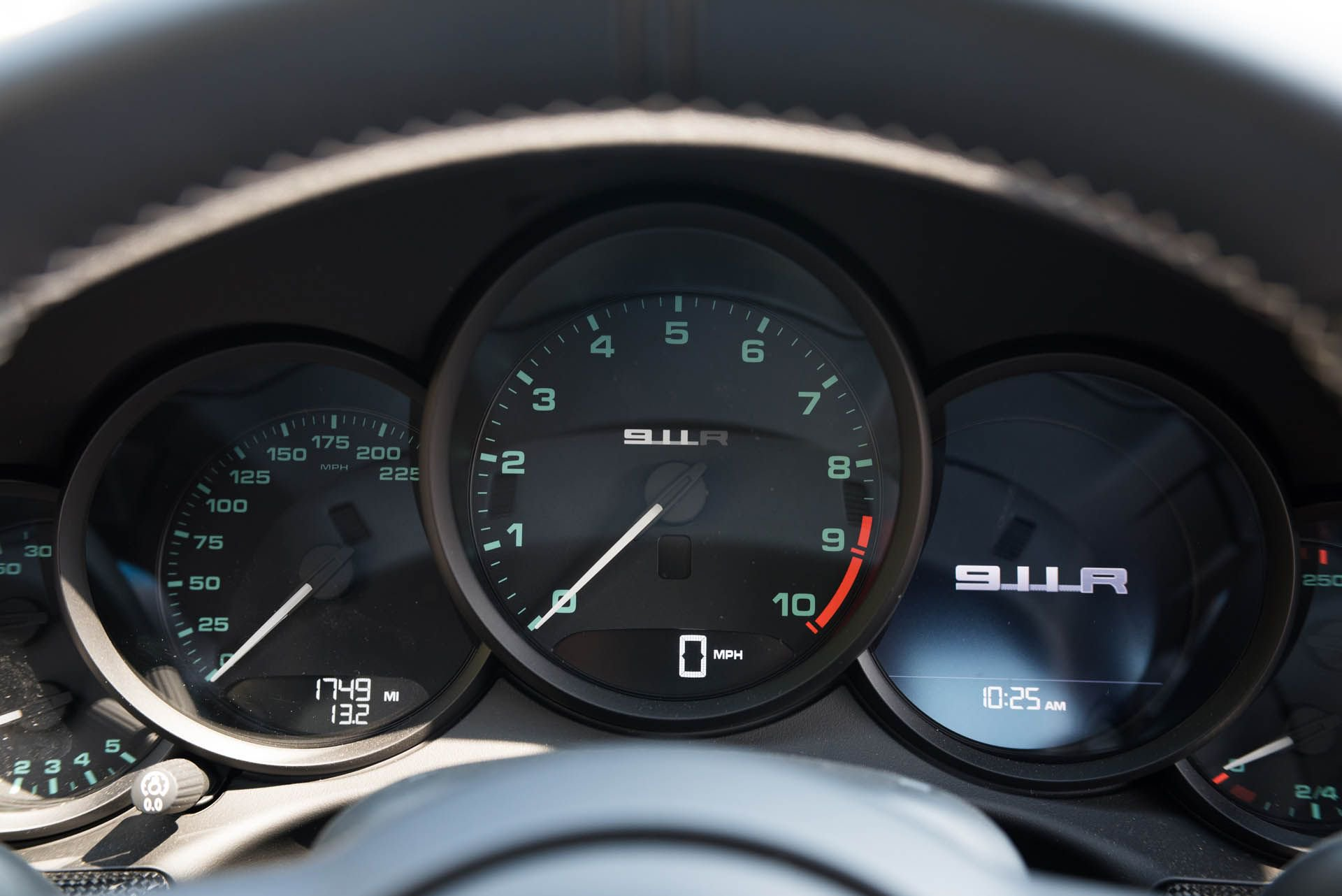 Porsche_911_R_for_sale_0012