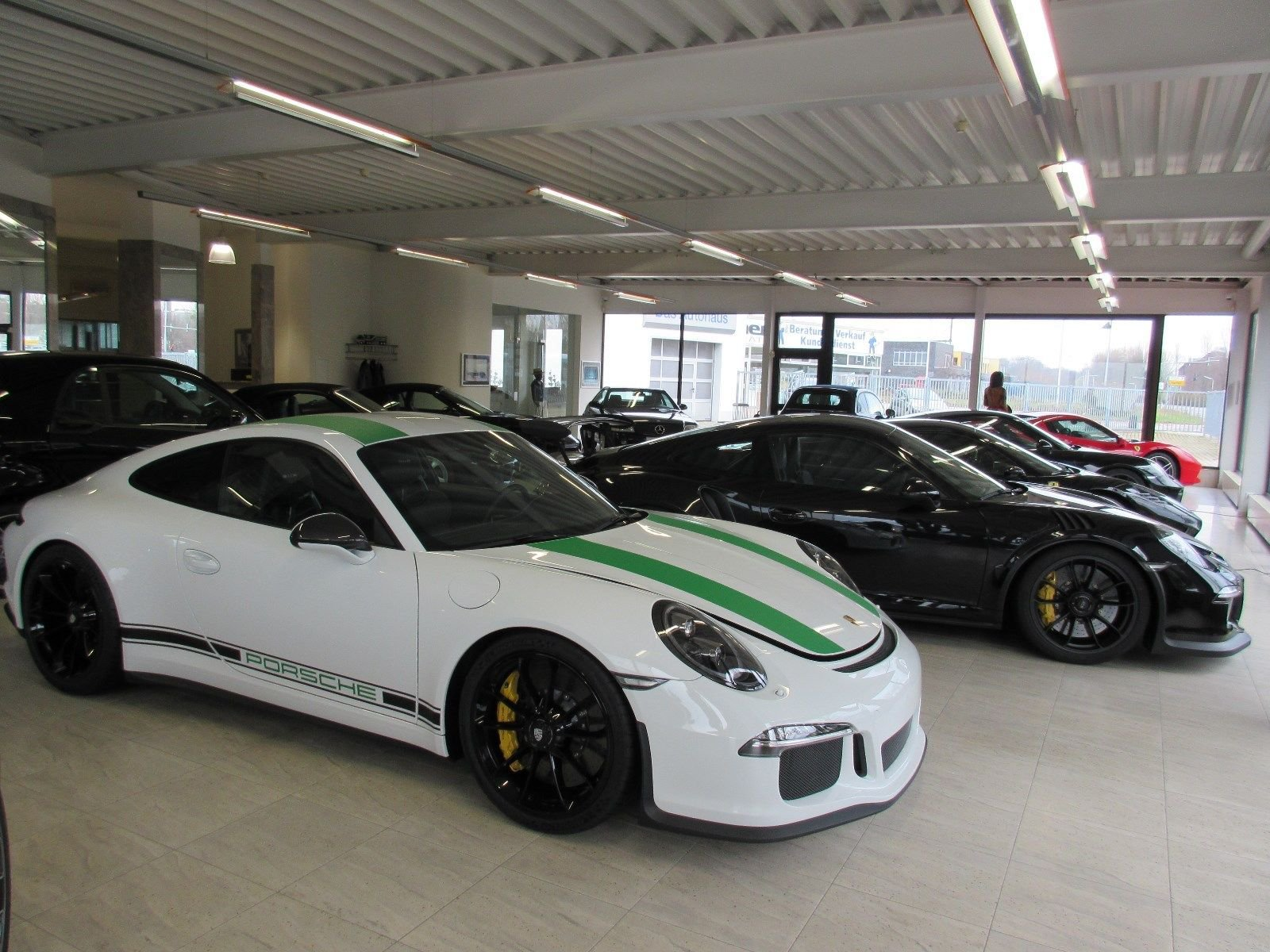 Porsche_911_R_for_sale_0030