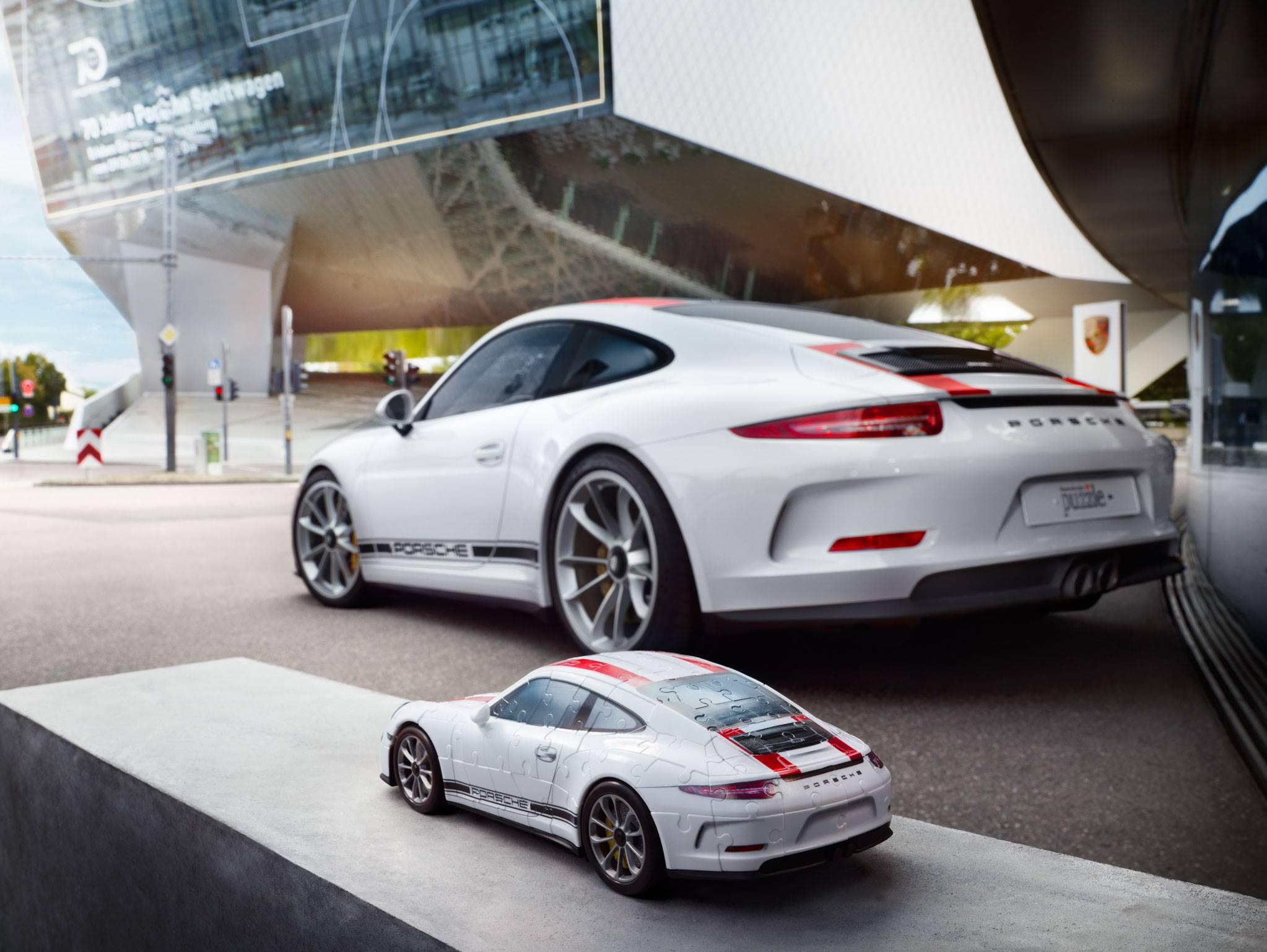 Porsche 911 R puzzle (4)