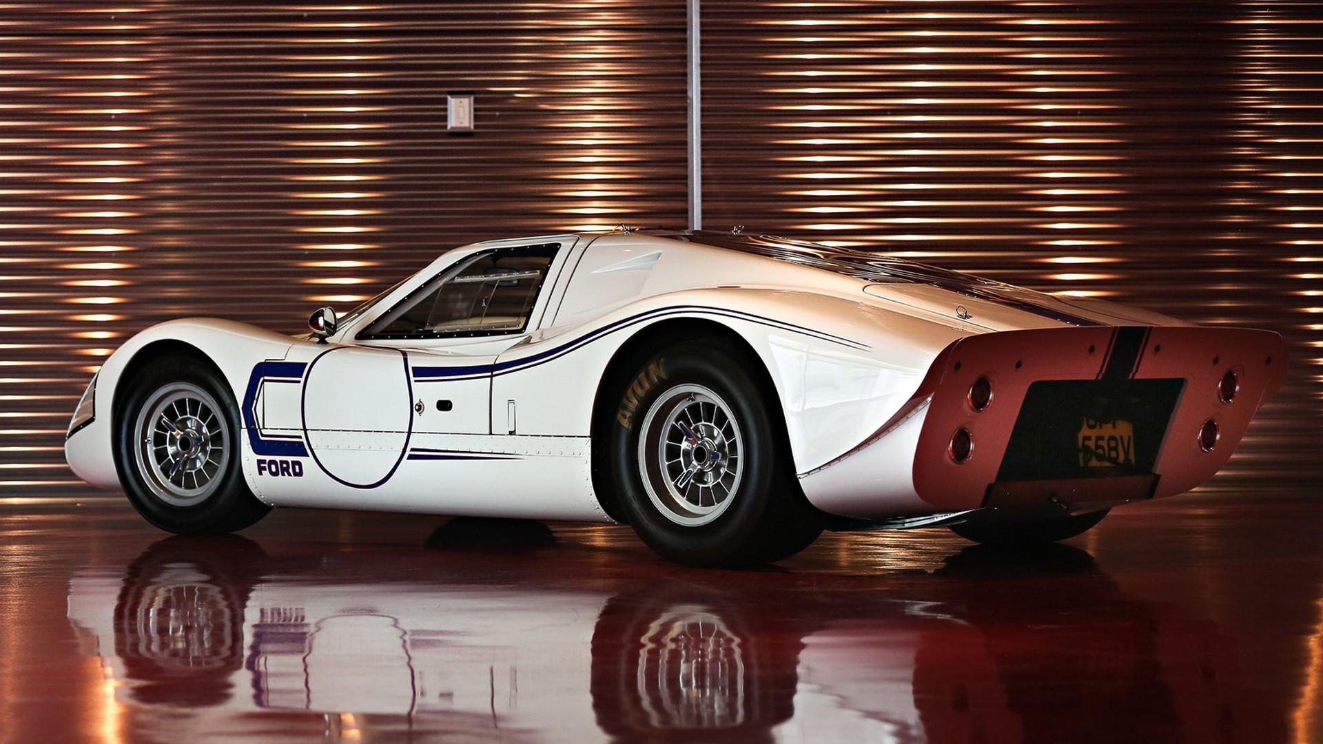 1967-ford-gt40-mk-iv-041-1