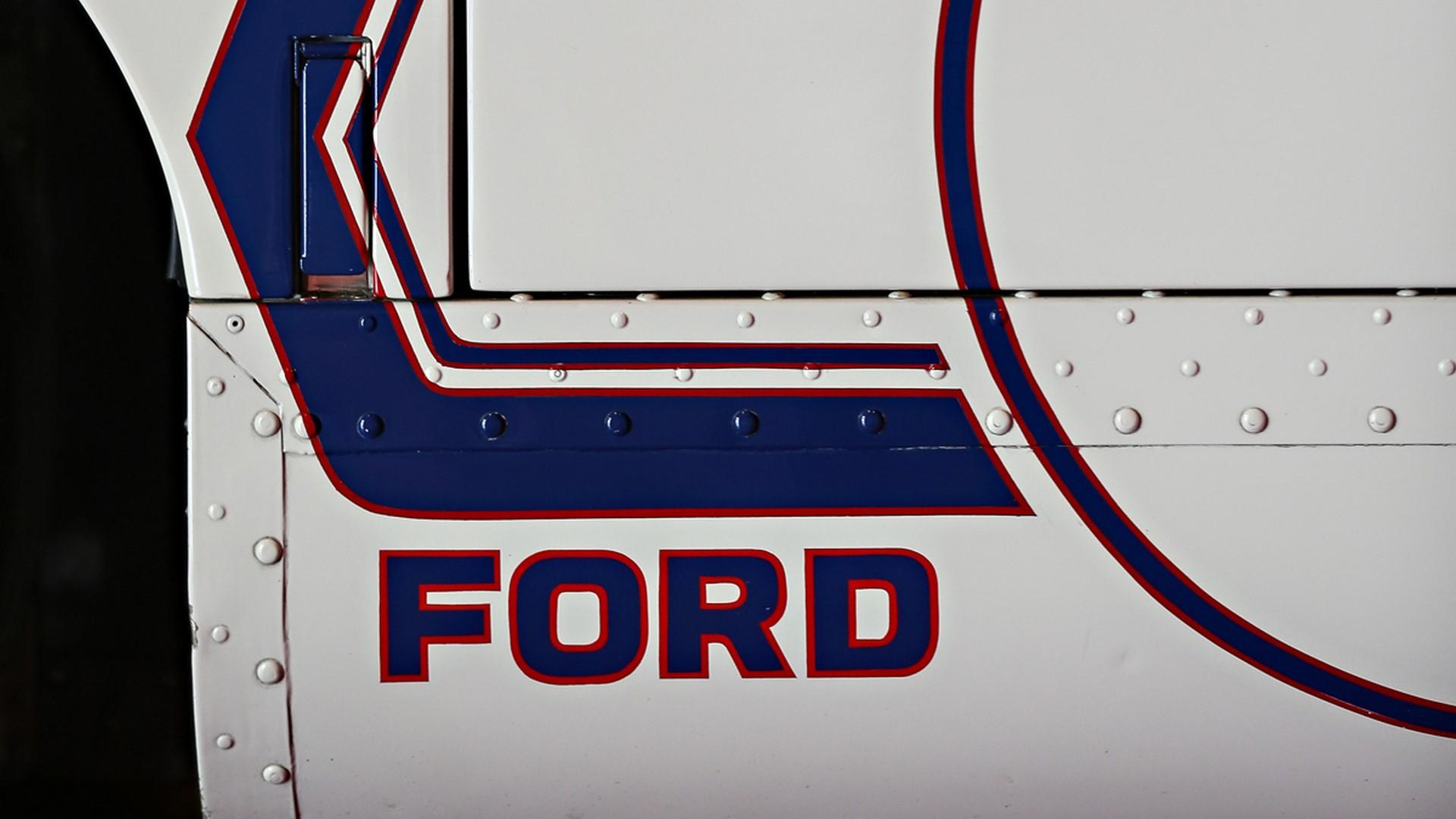 1967-ford-gt40-mk-iv-067-1