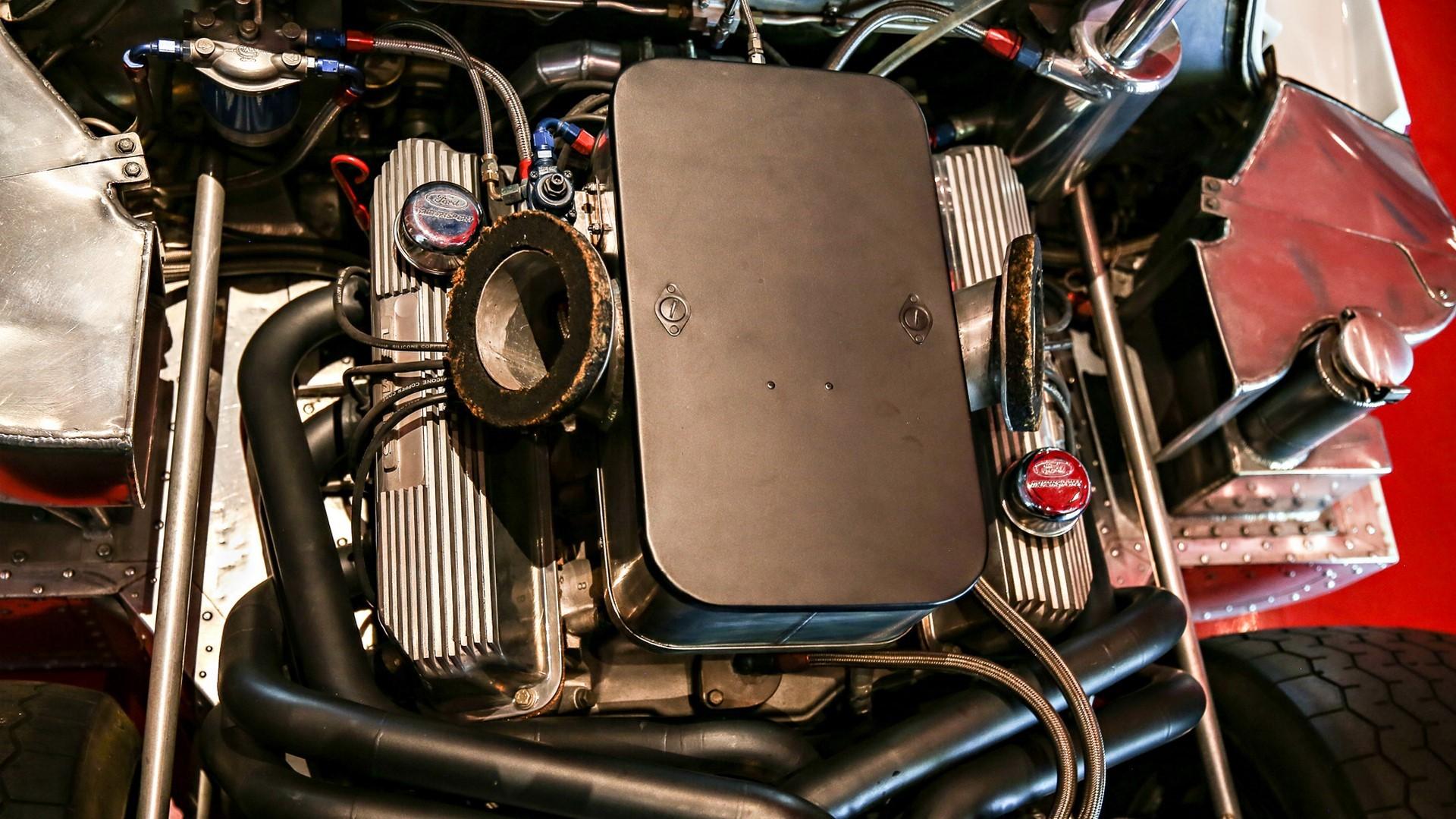1967-ford-gt40-mk-iv-092-1