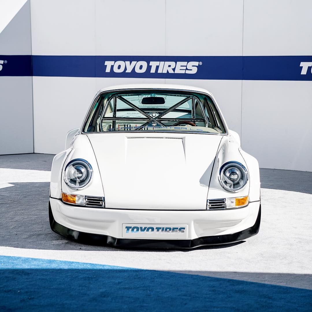 Porsche 911 RWB with Tesla Electric Motor (2)