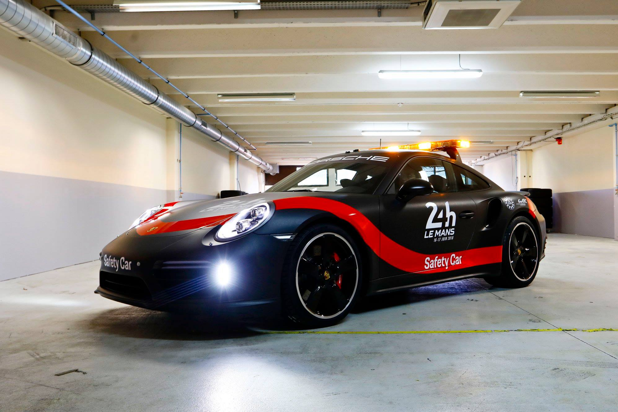 Porsche 911 Safety Car for WEC (7)