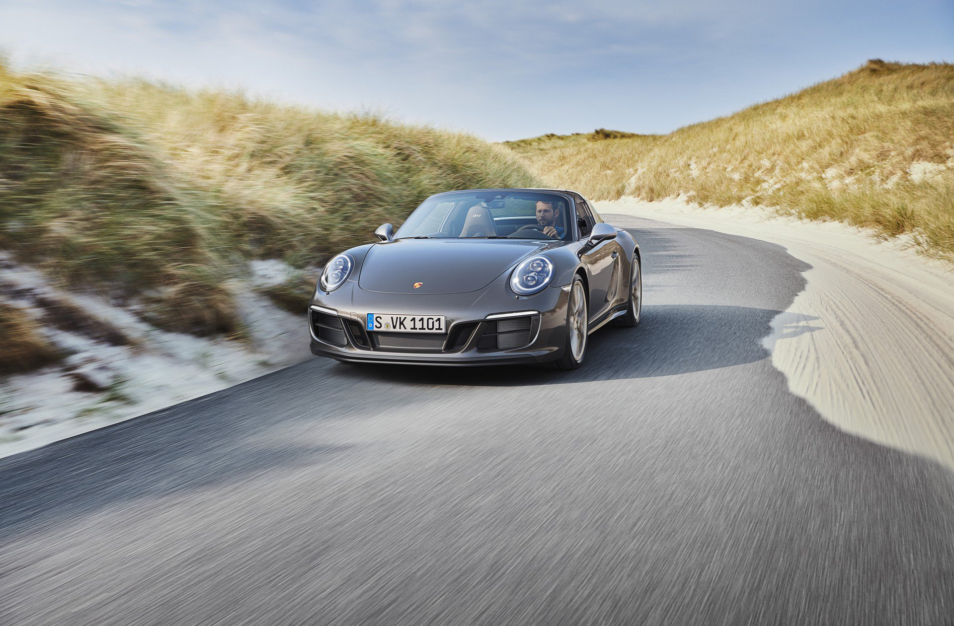 Porsche 911 Targa 4 GTS Exclusive Manufaktur Edition (1)