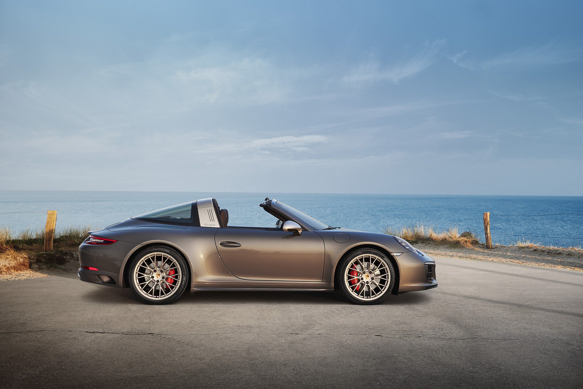 Porsche 911 Targa 4 GTS Exclusive Manufaktur Edition (4)