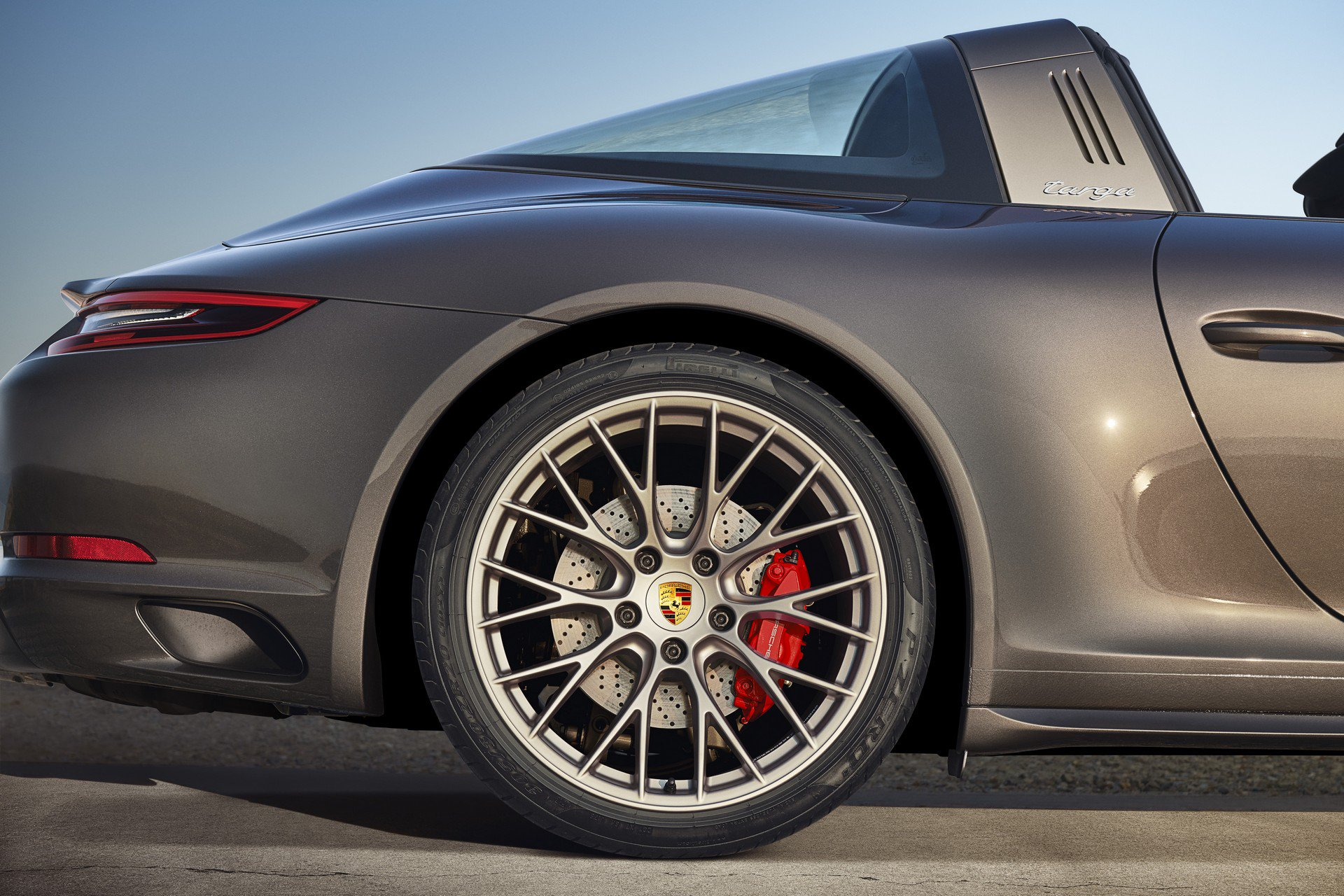 Porsche 911 Targa 4 GTS Exclusive Manufaktur Edition (8)