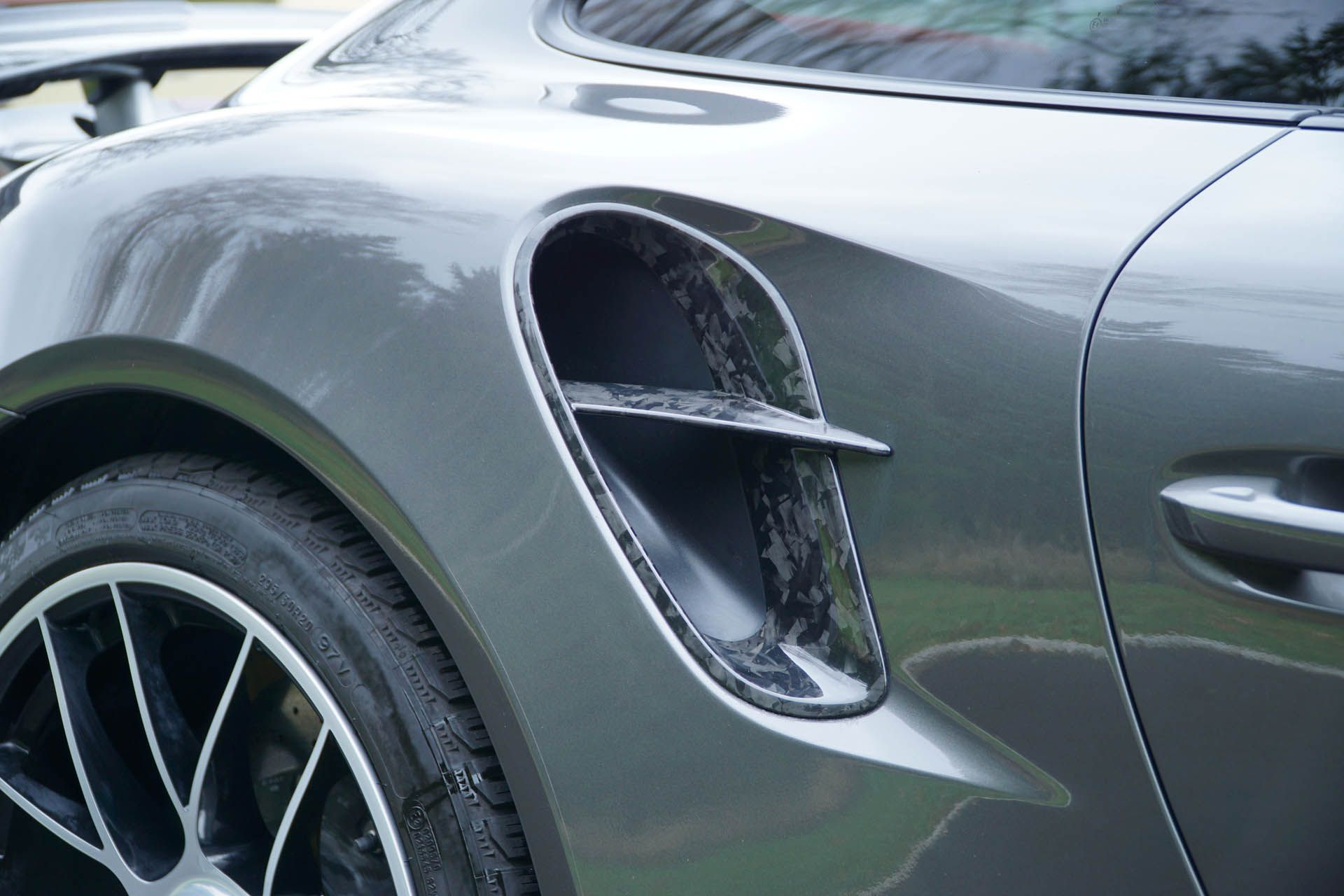 Porsche_911_Turb0_by_Mansory_0003