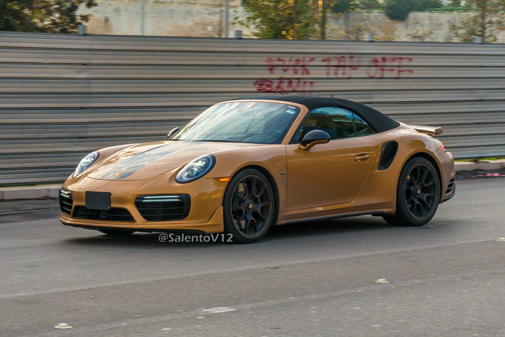 Porsche 911 Turbo S Exclusive Series Cabriolet (1)