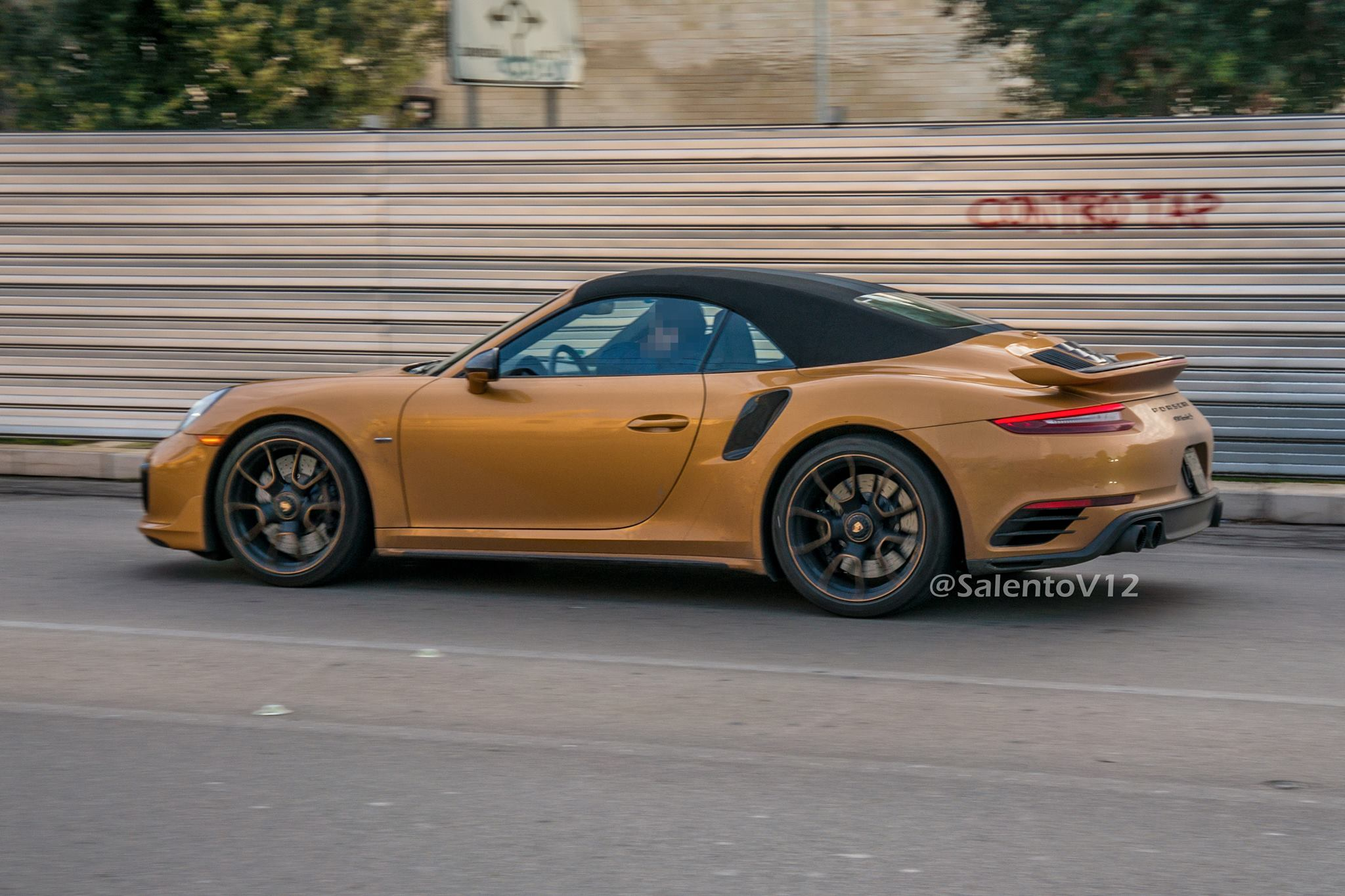 Porsche 911 Turbo S Exclusive Series Cabriolet (3)