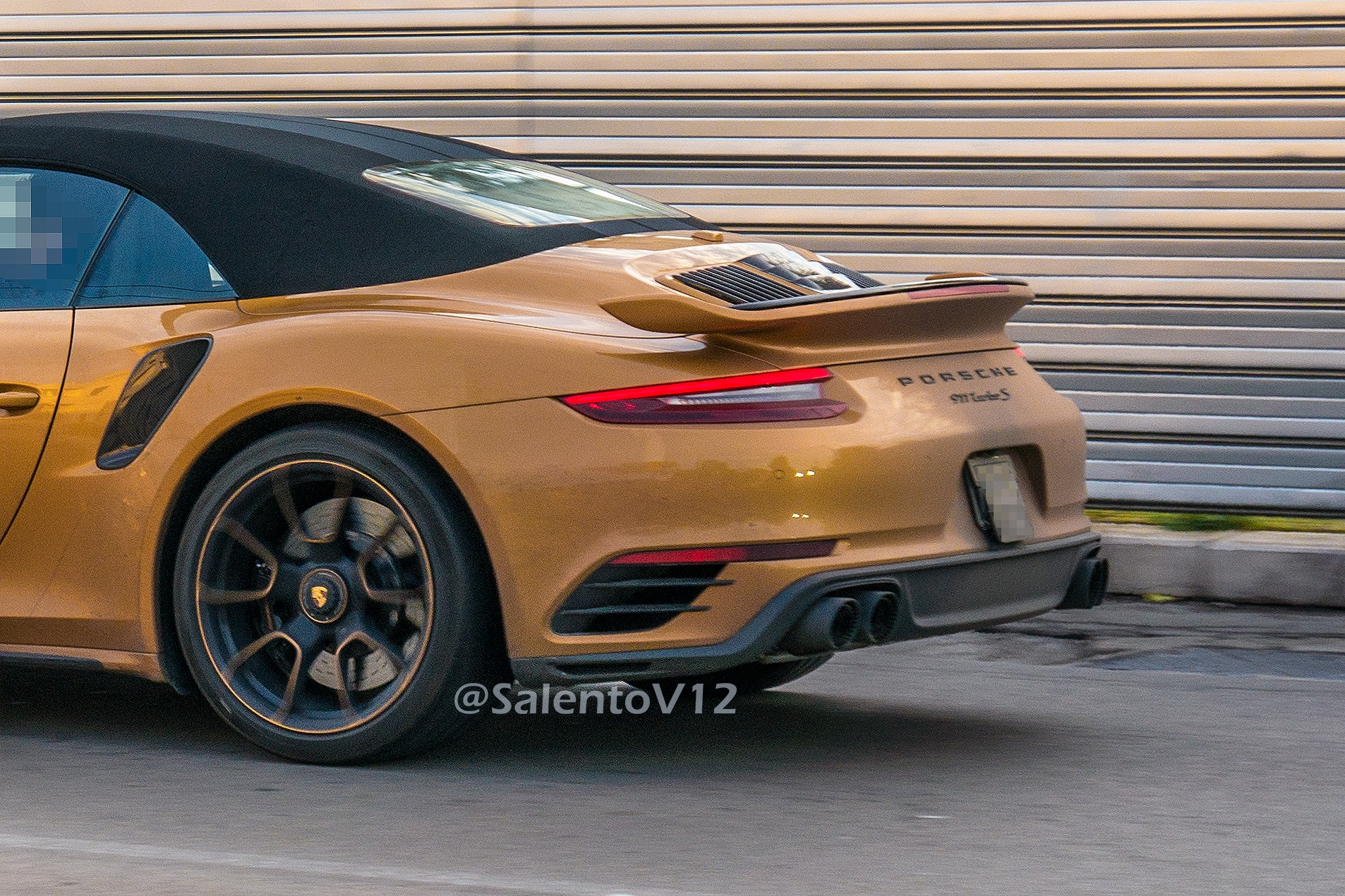 Porsche 911 Turbo S Exclusive Series Cabriolet (6)