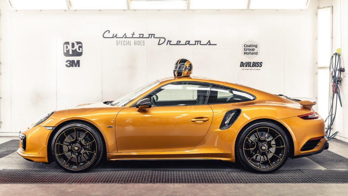 04_porsche-911-exclusive-series-helm-custom-dreams