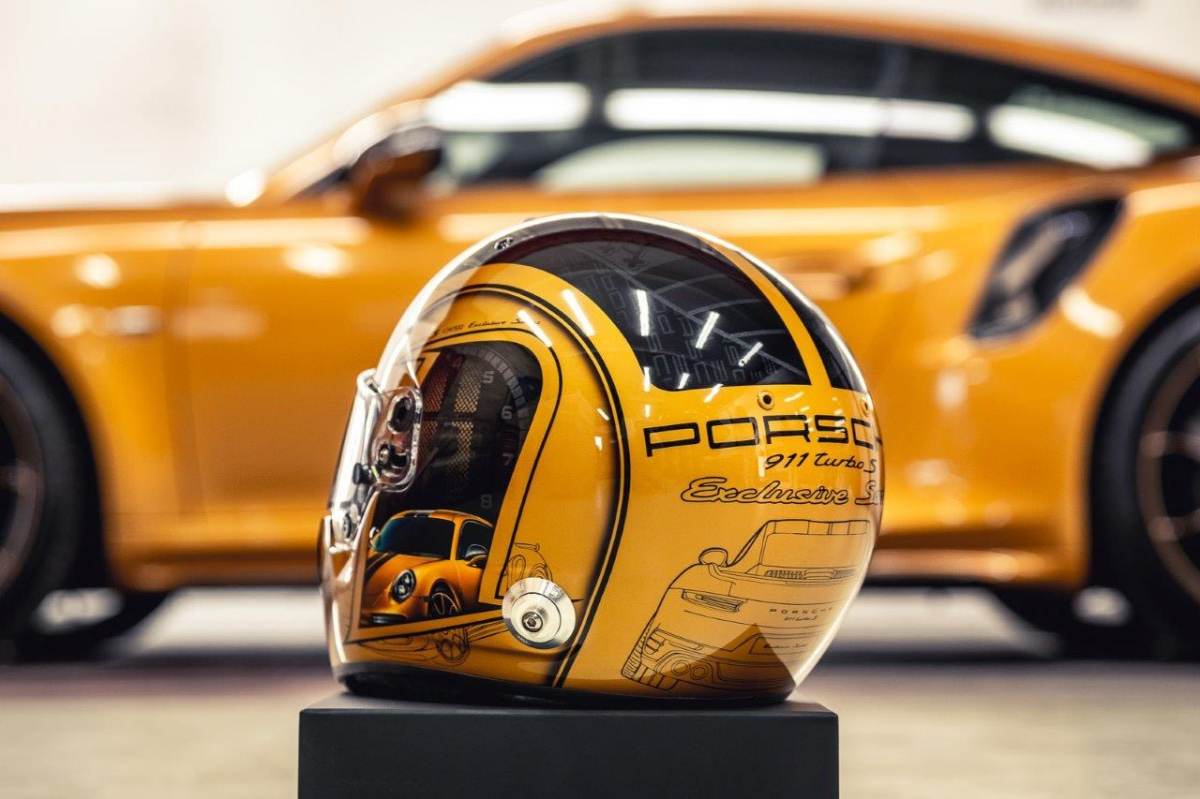 06_porsche-911-exclusive-series-helm-custom-dreams