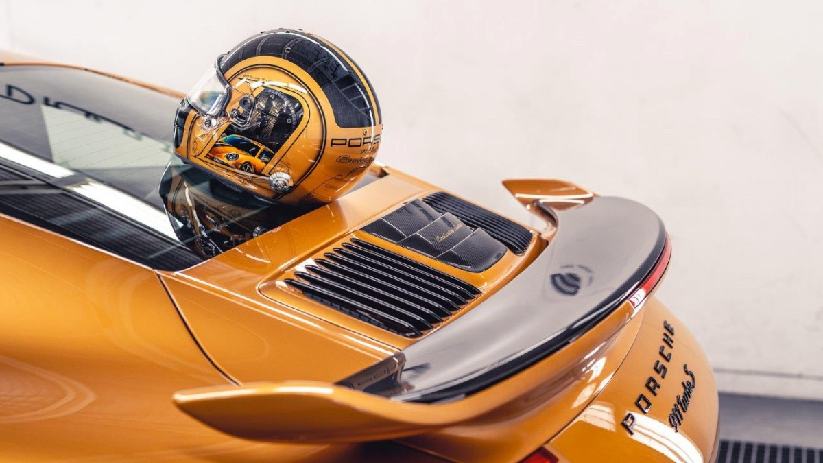 09_porsche-911-exclusive-series-helm-custom-dreams