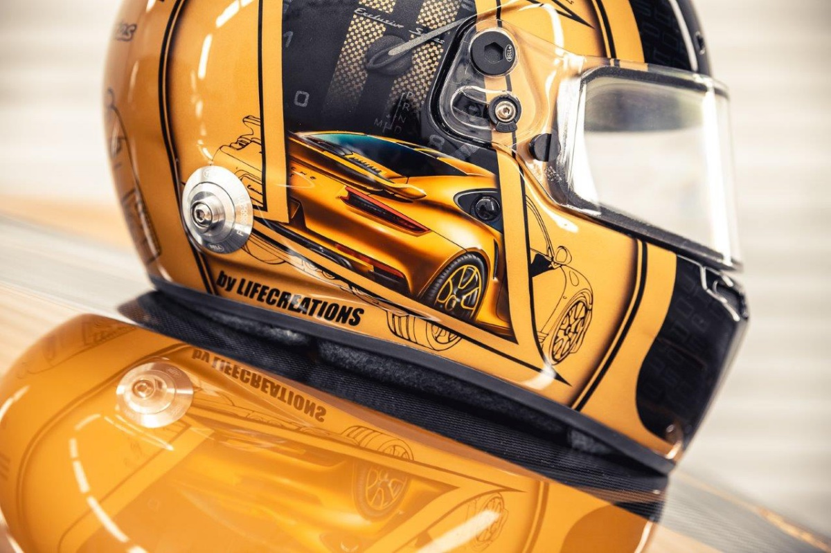 18_porsche-911-exclusive-series-helm-custom-dreams