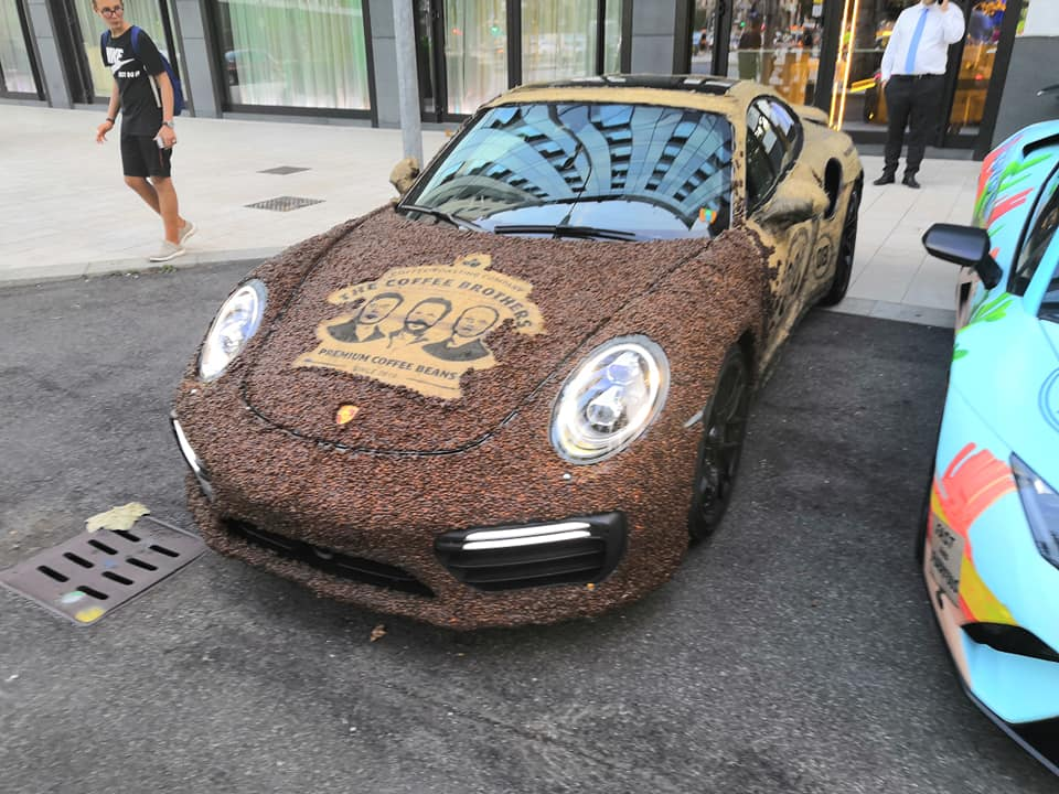 Porsche 911 Turbo S with Coffee Seeds (1)