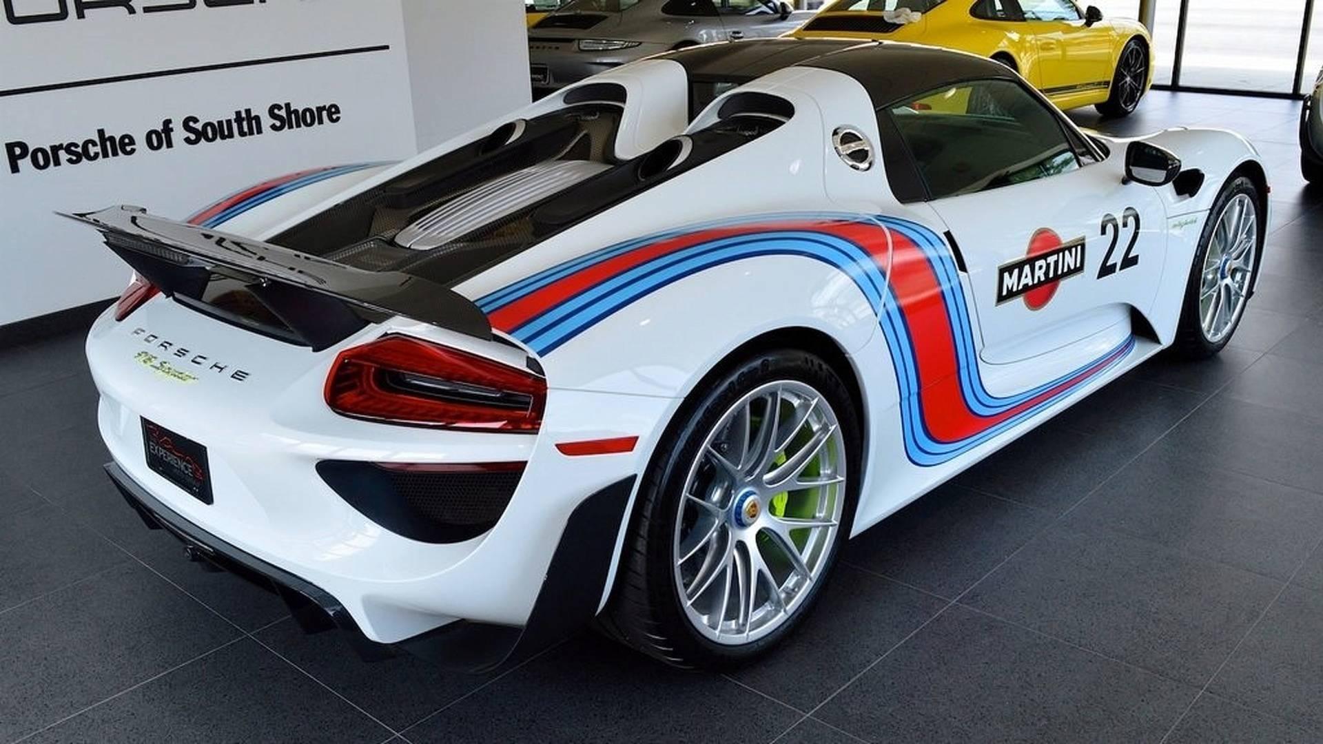 Porsche_918_Spyder_Weissach_For_Sale_0007
