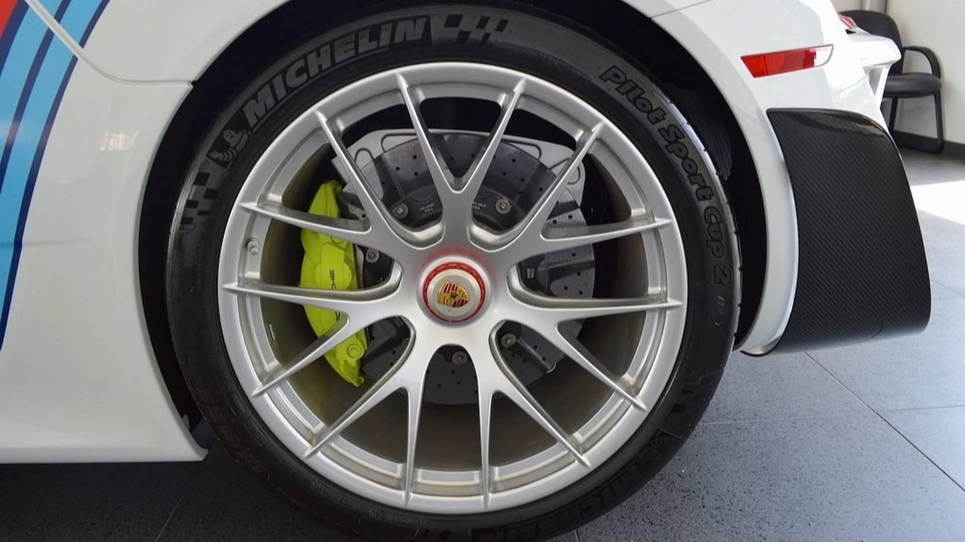 Porsche_918_Spyder_Weissach_For_Sale_0009