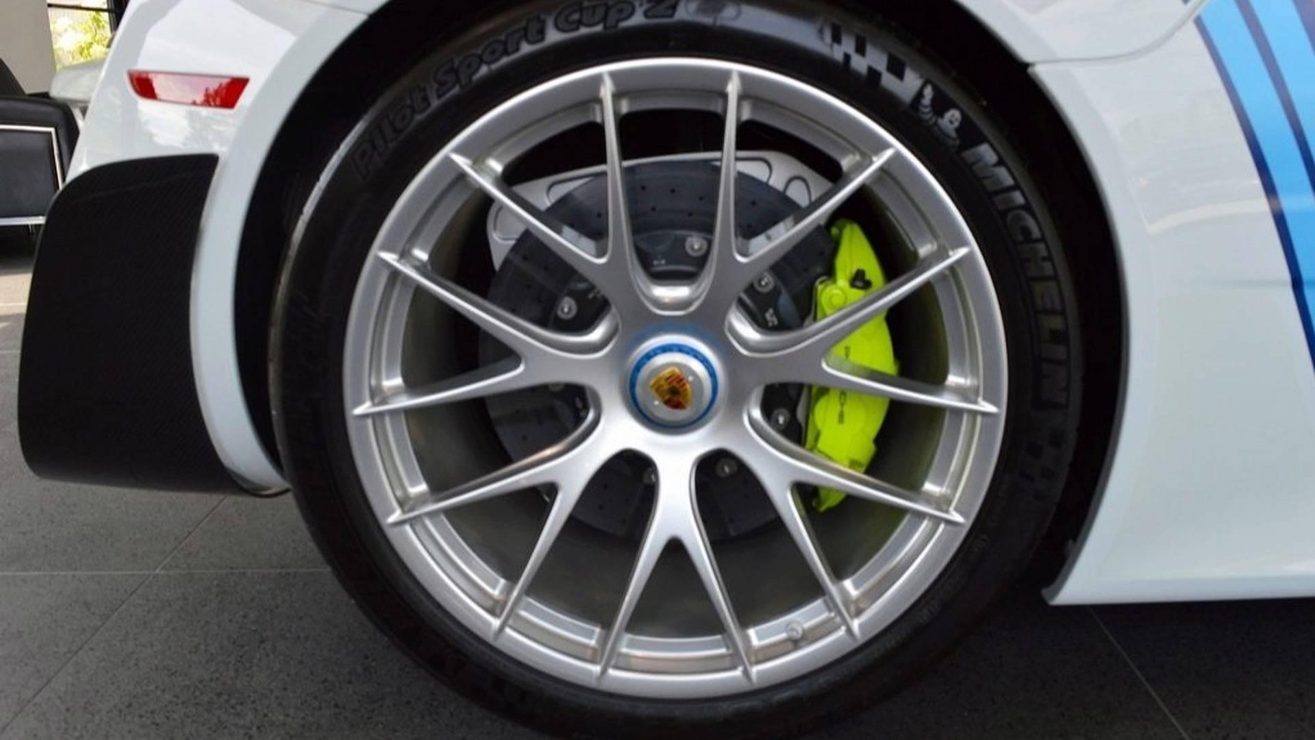 Porsche_918_Spyder_Weissach_For_Sale_0010