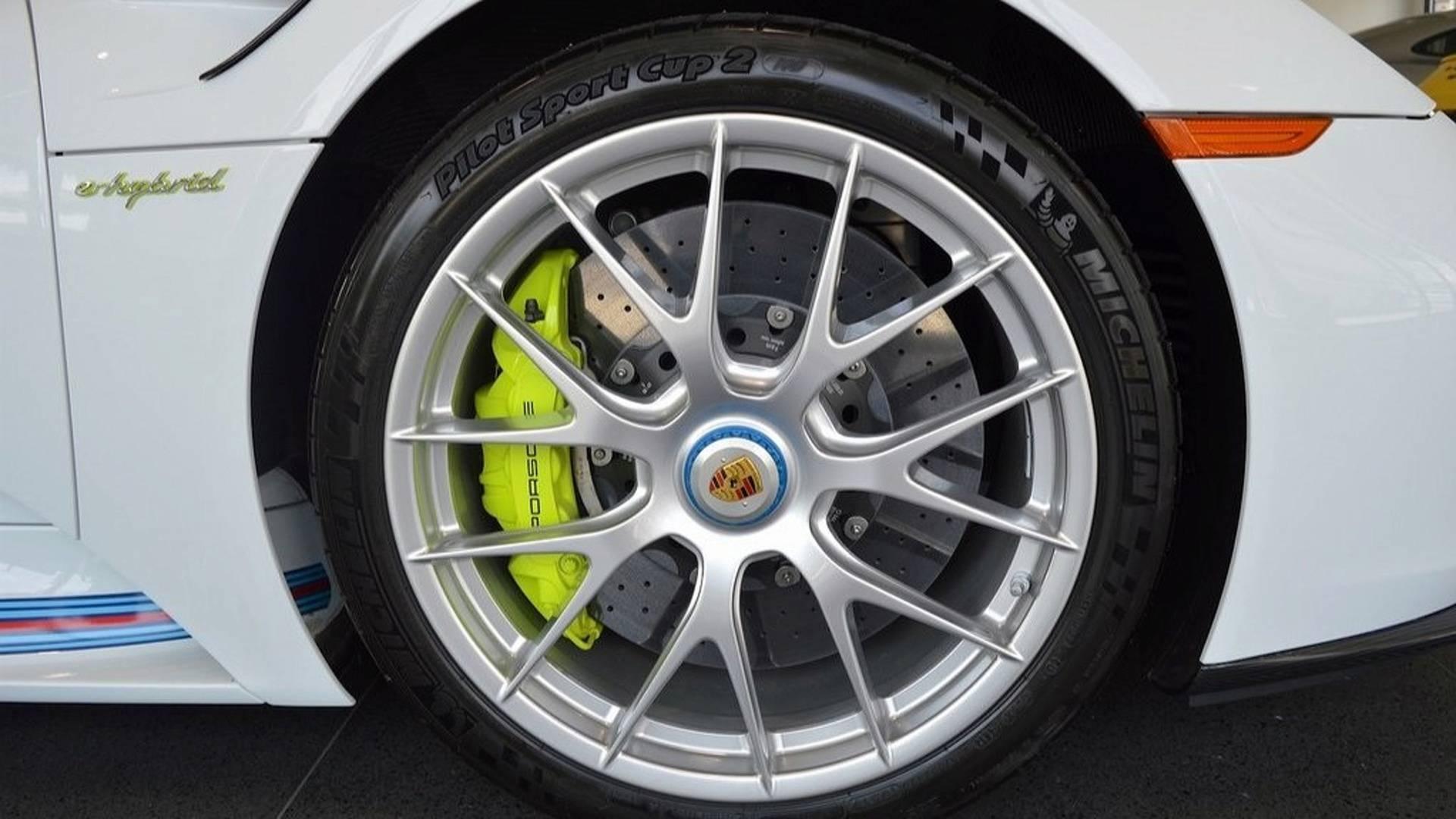 Porsche_918_Spyder_Weissach_For_Sale_0012