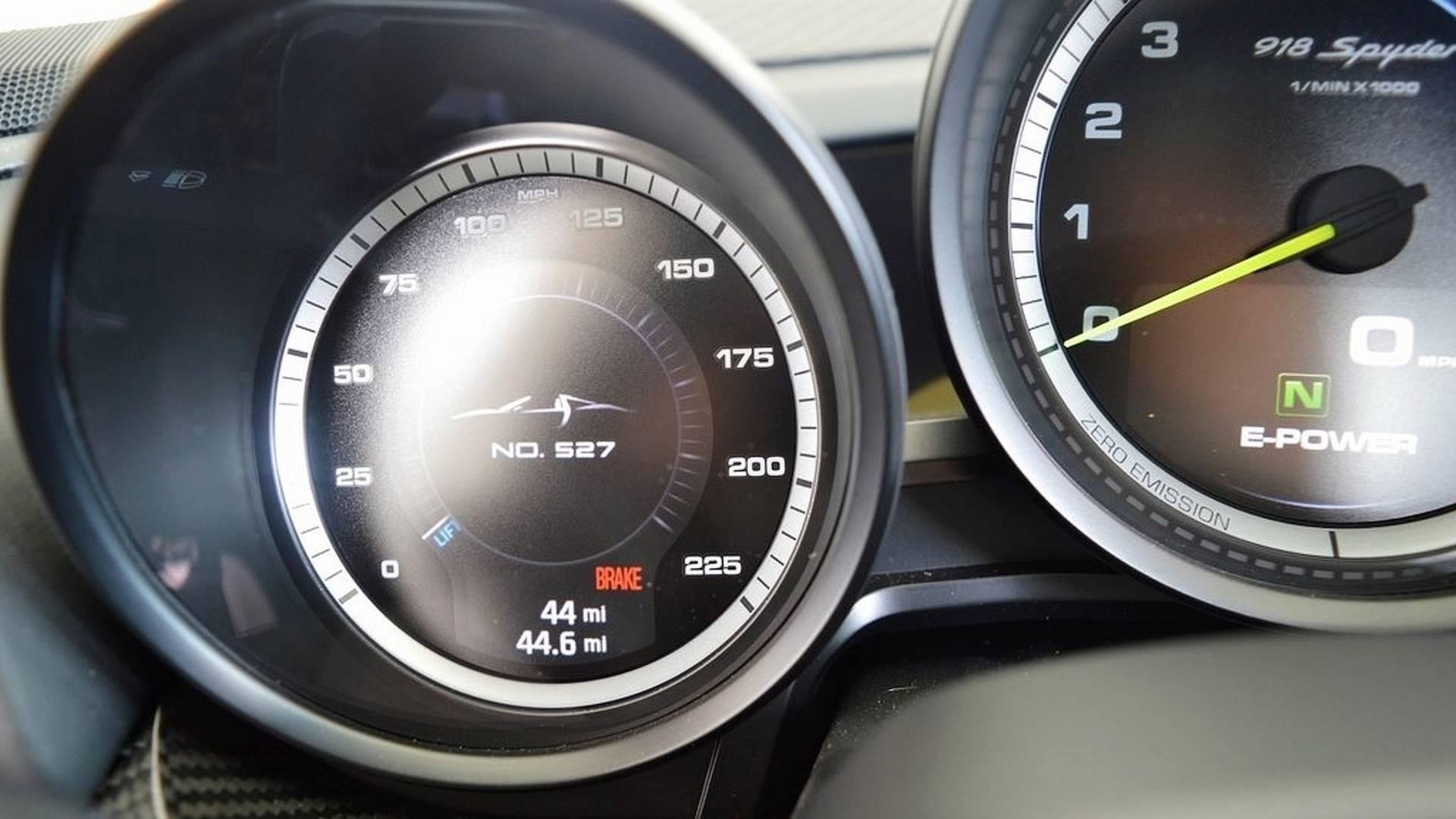Porsche_918_Spyder_Weissach_For_Sale_0018