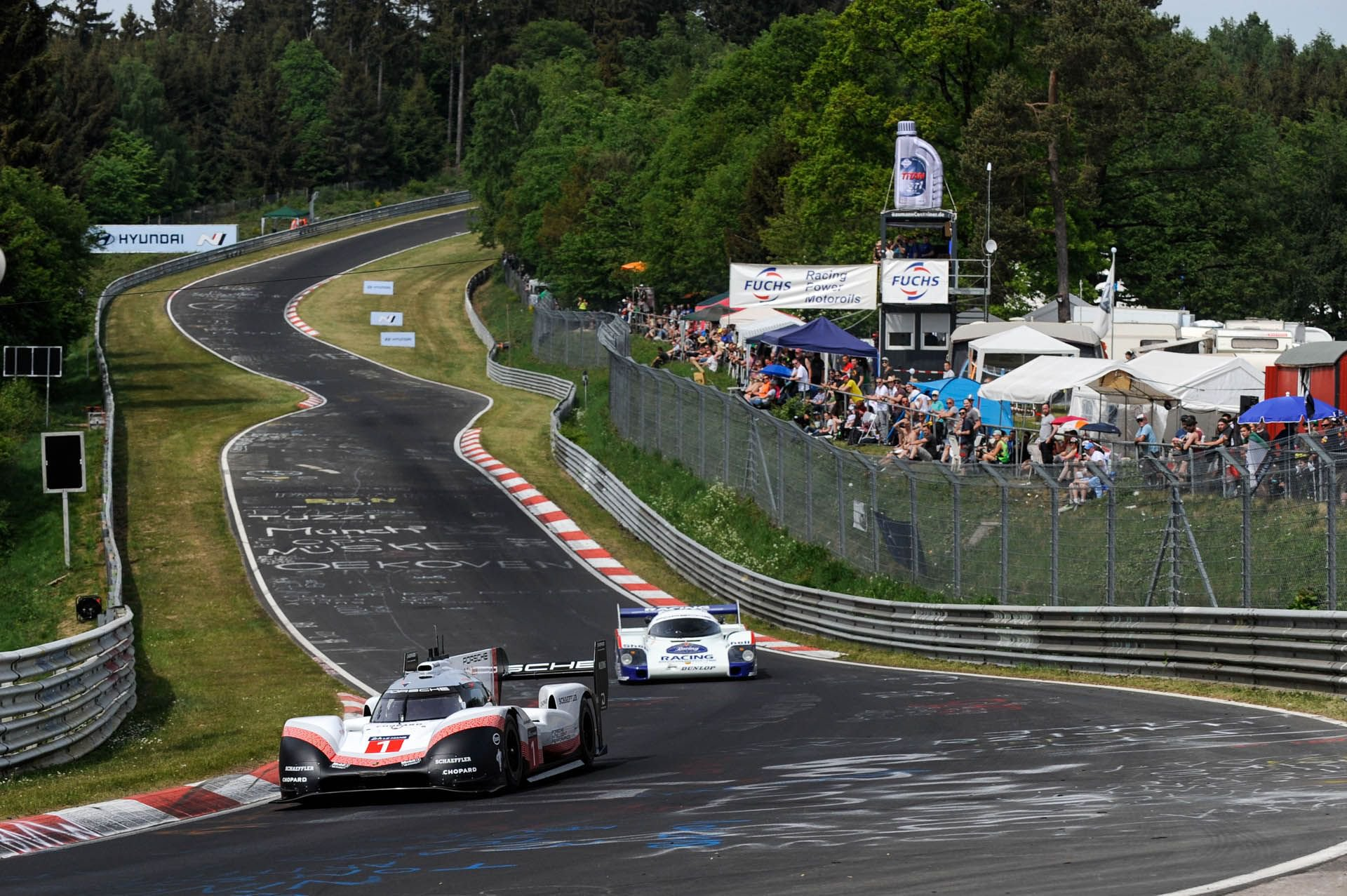 Porsche 919 Hybrid Evo and 956 at Nurburgring (7)