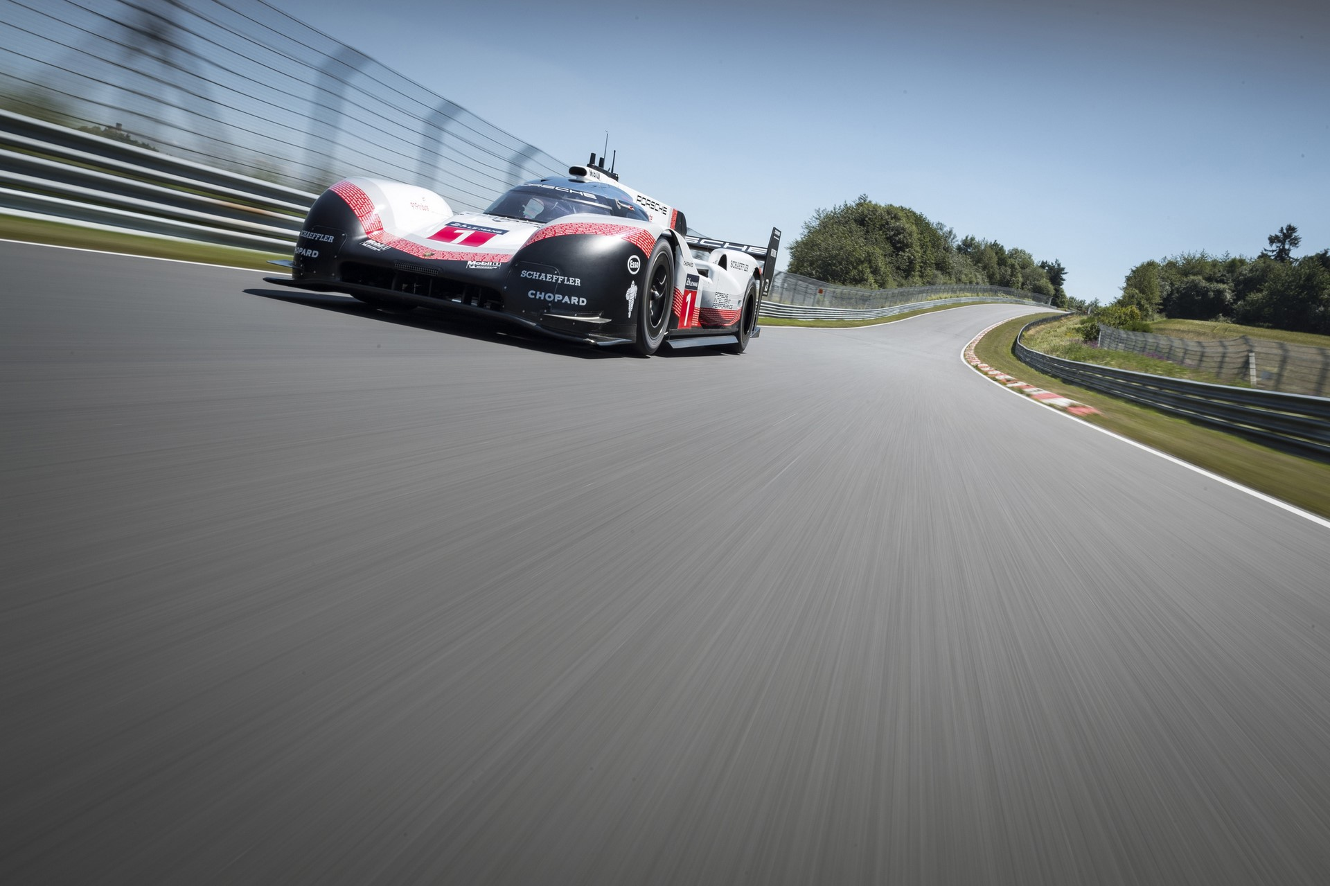 porsche-919-ring-lap-record-003-1