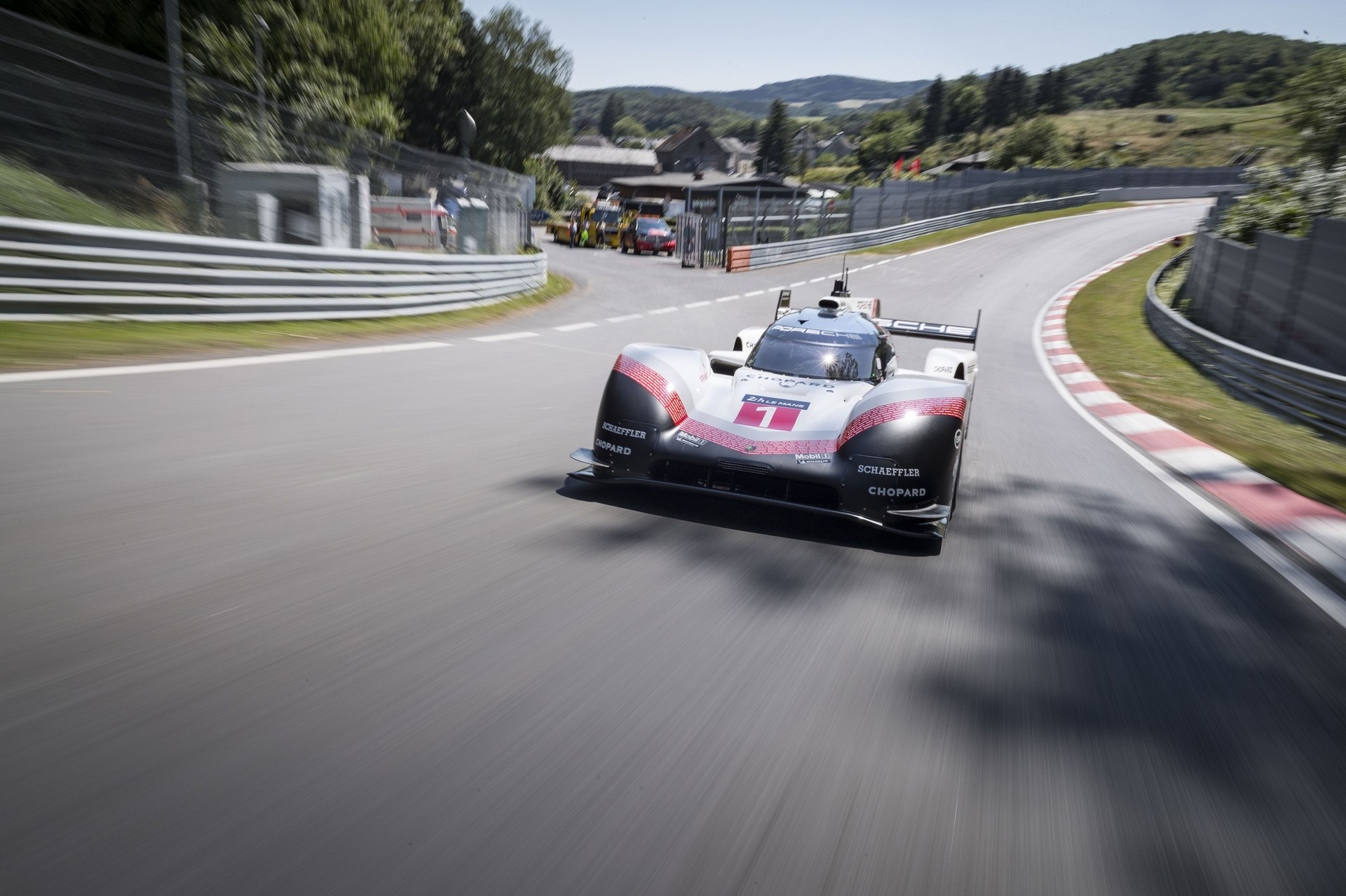 porsche-919-ring-lap-record-005-1