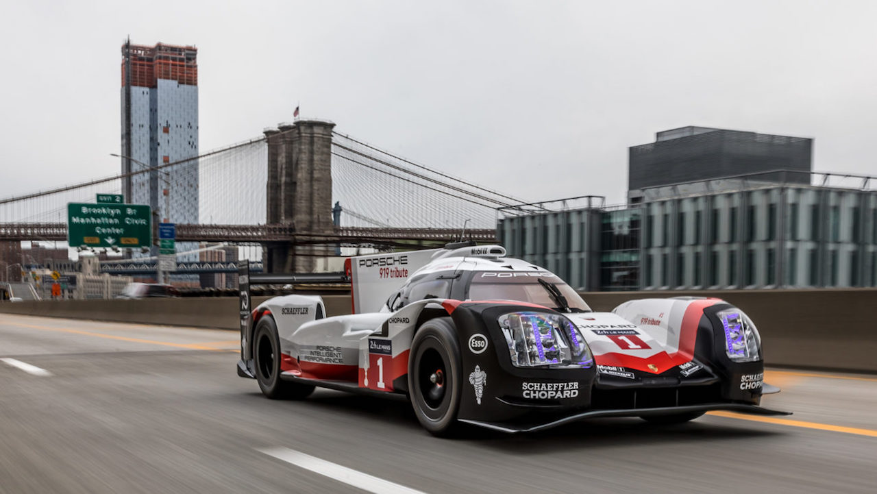 Porsche 919 Hybrid in Manhattan (1)
