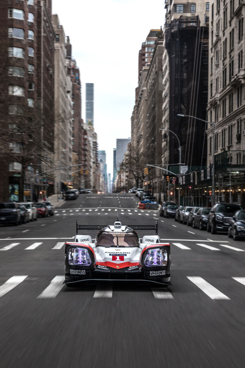 Porsche 919 Hybrid in Manhattan (13)