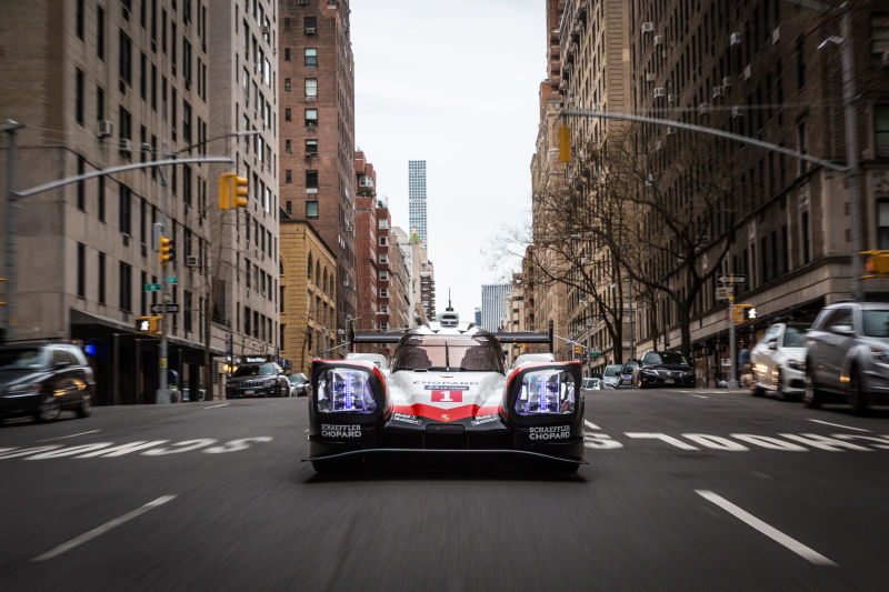 Porsche 919 Hybrid in Manhattan (17)