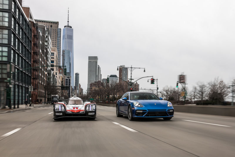 Porsche 919 Hybrid in Manhattan (20)