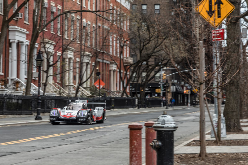 Porsche 919 Hybrid in Manhattan (25)