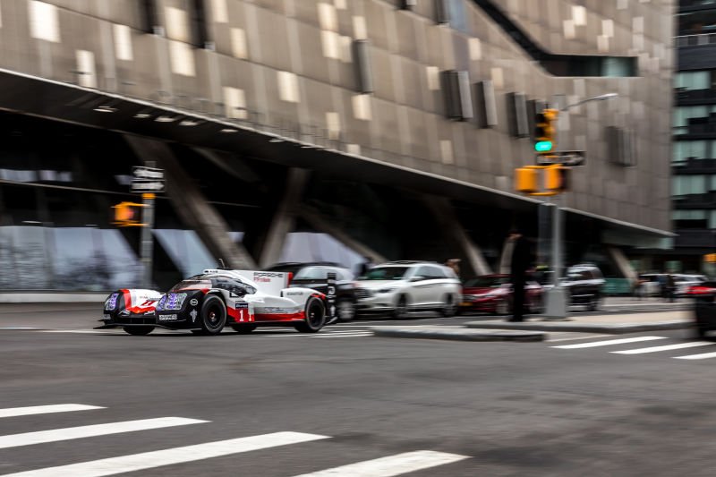Porsche 919 Hybrid in Manhattan (26)