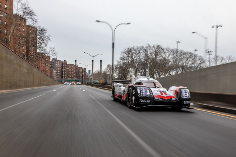 Porsche 919 Hybrid in Manhattan (31)