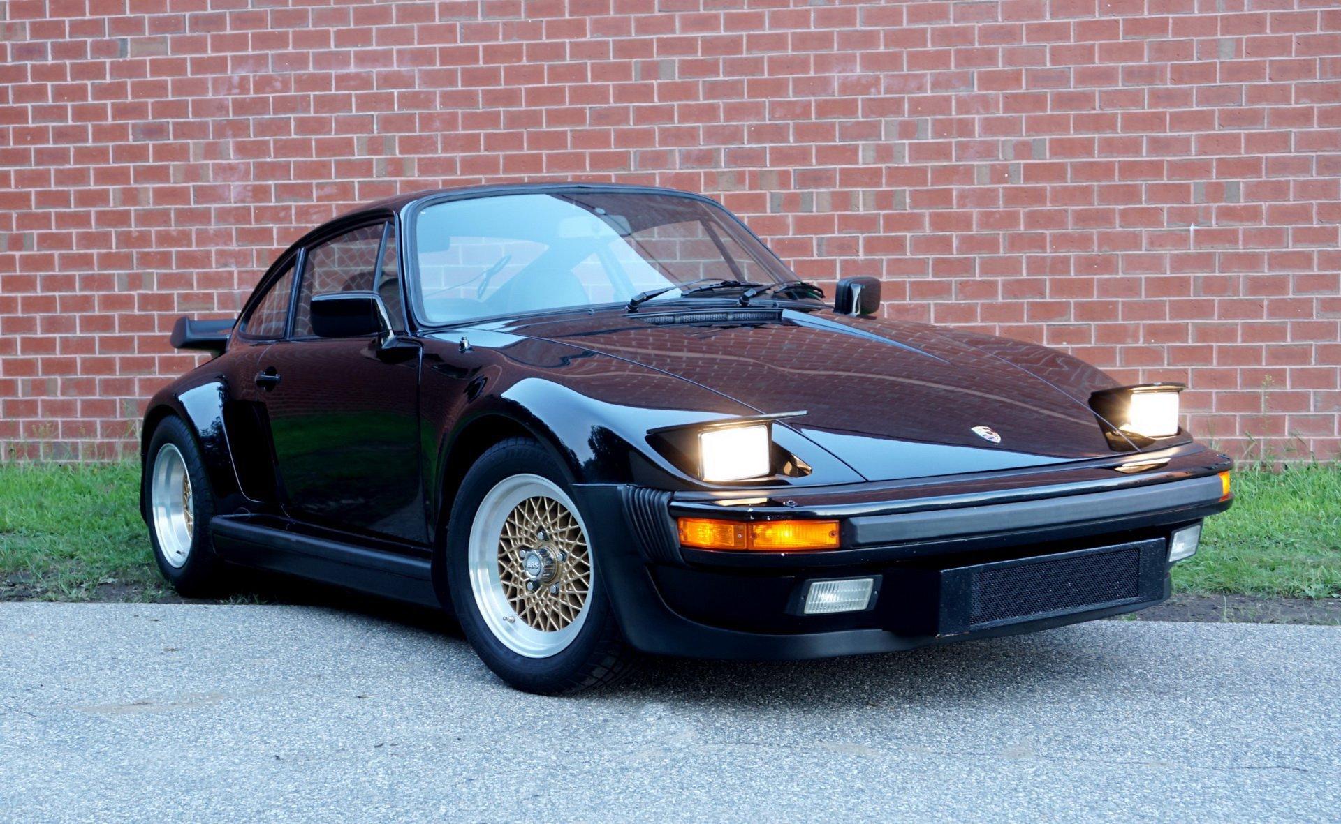 Porsche_930_Turbo_Slantnose_0003