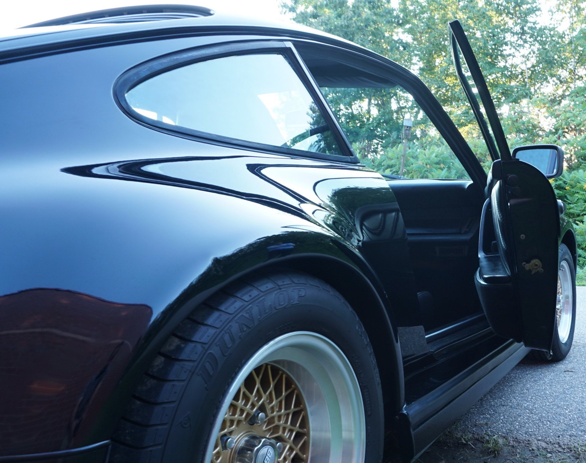 Porsche_930_Turbo_Slantnose_0010