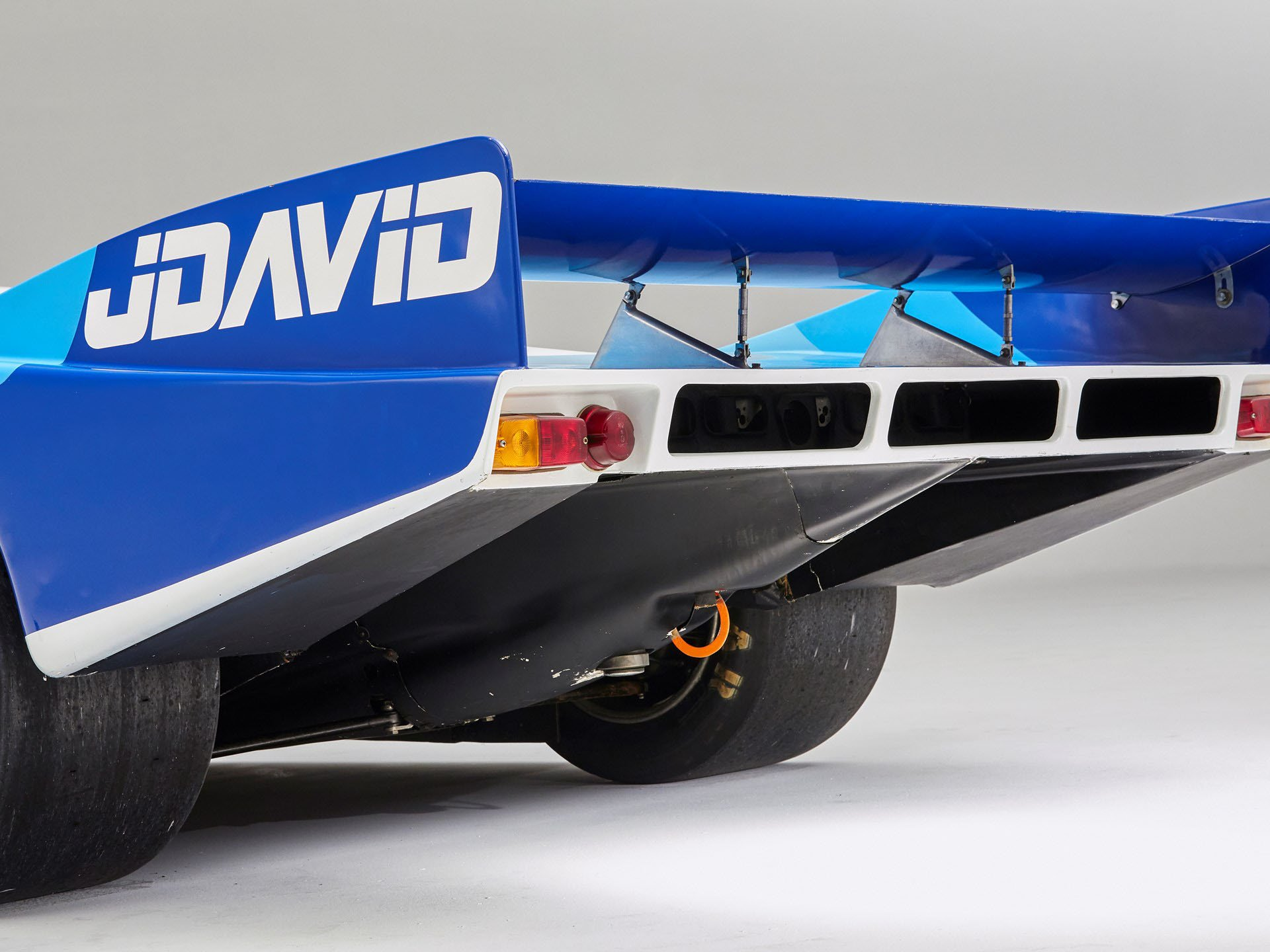 Porsche 956-110 in auction (11)
