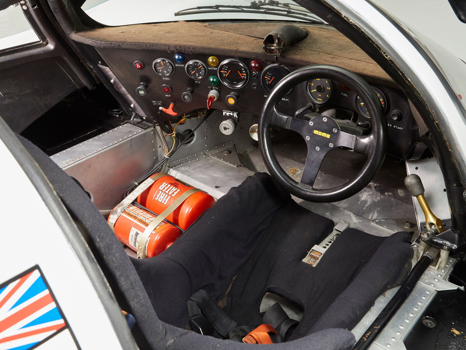 Porsche 956-110 in auction (16)