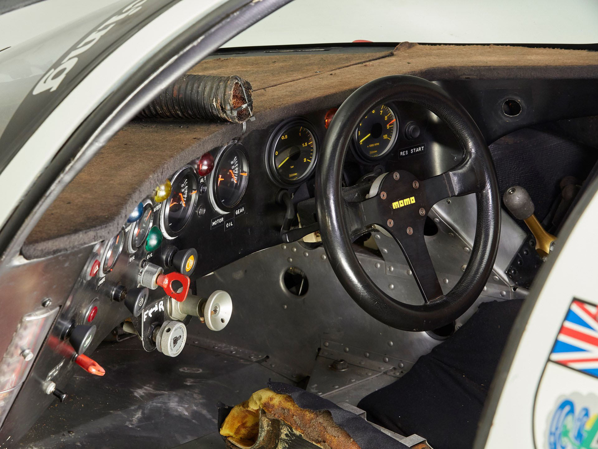 Porsche 956-110 in auction (17)