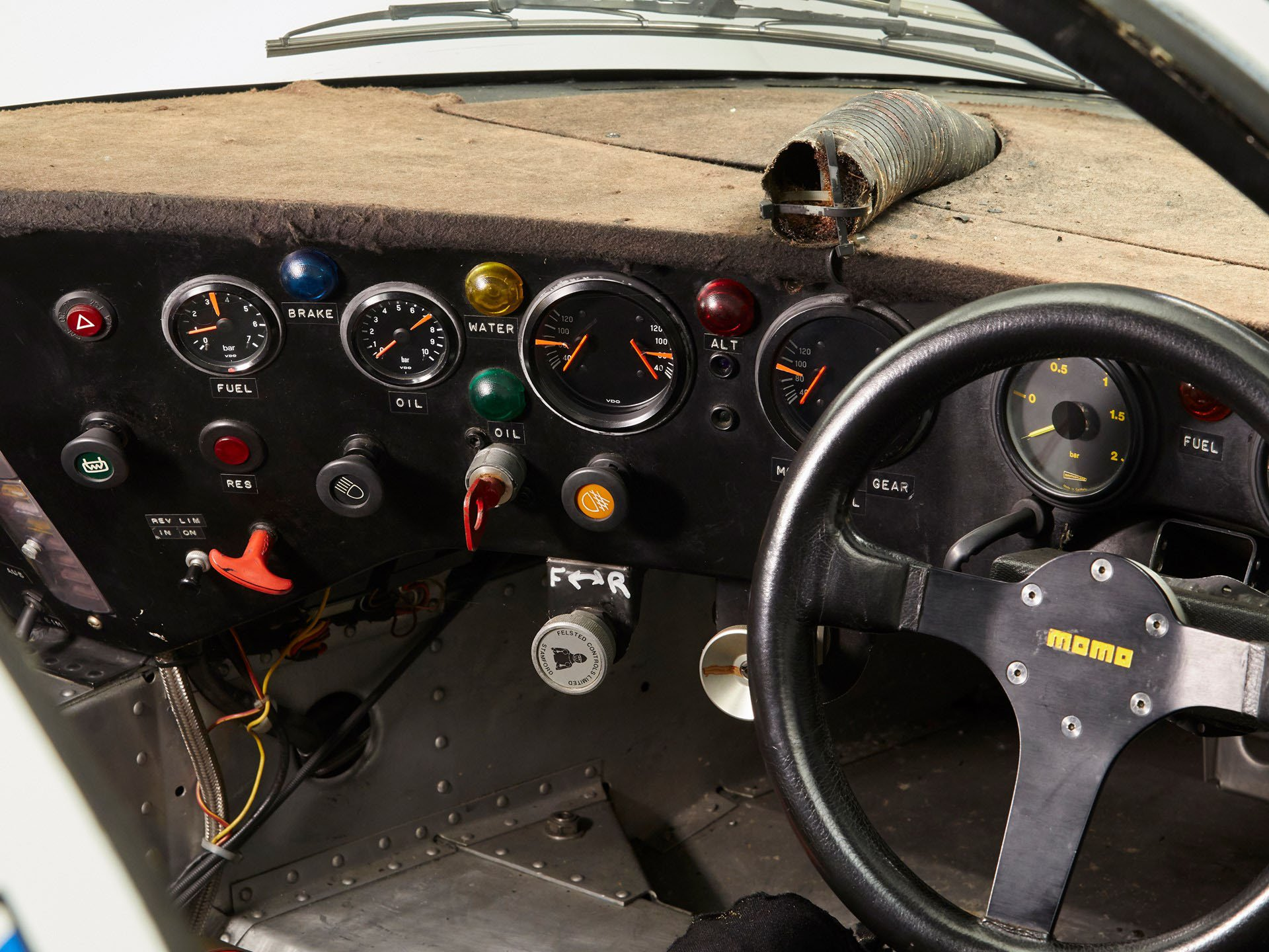 Porsche 956-110 in auction (19)