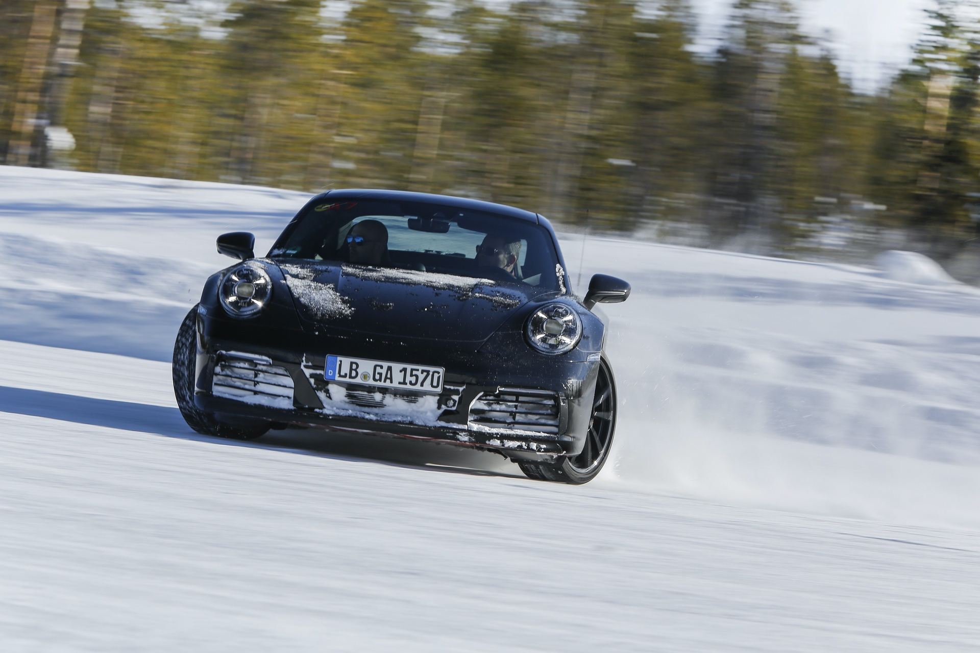 Porsche_992_tests_0010
