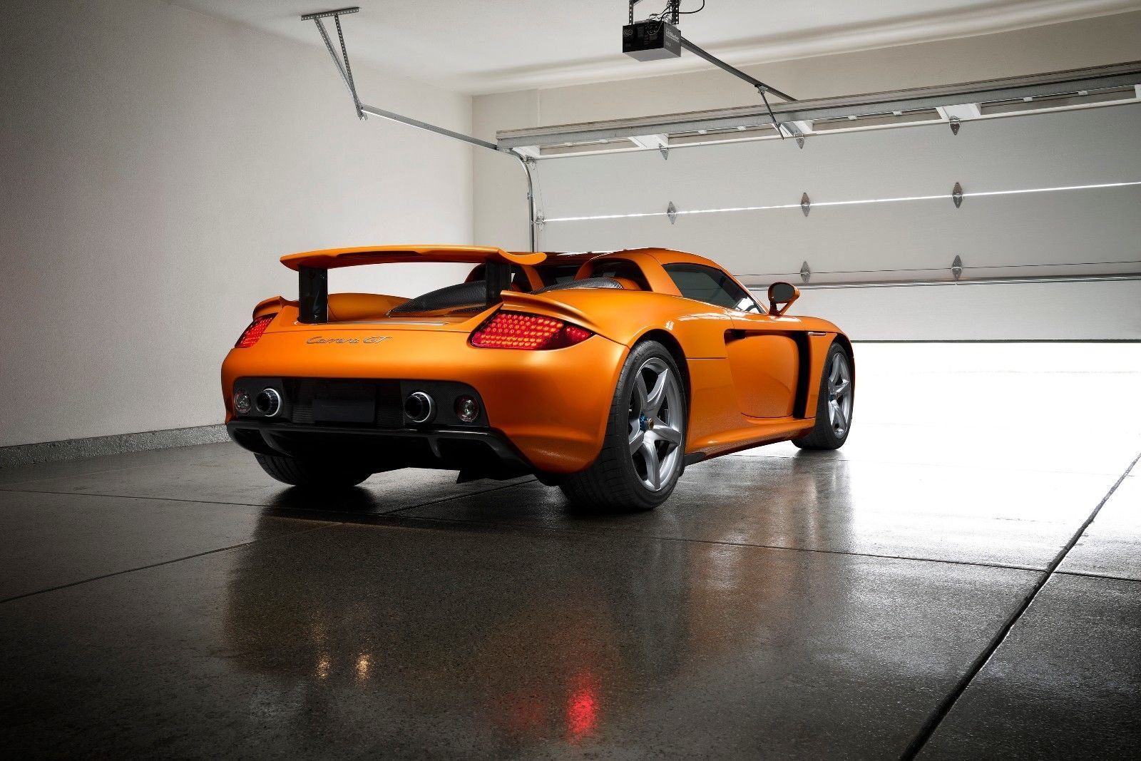 Porsche_Carrera_GT_Αrancio_Βorealis_0000