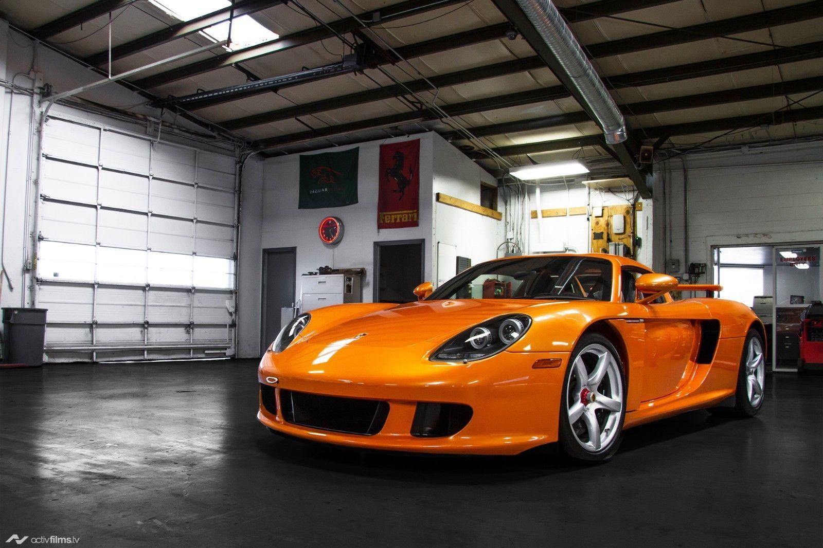 Porsche_Carrera_GT_Αrancio_Βorealis_0001