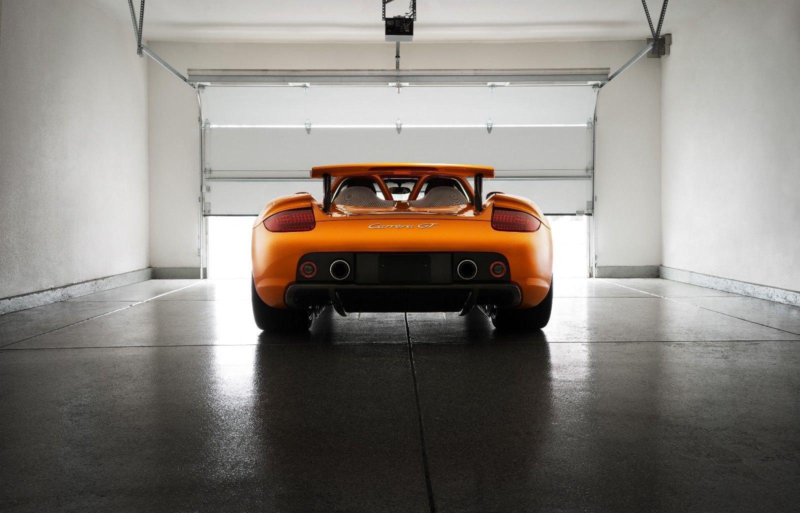 Porsche_Carrera_GT_Αrancio_Βorealis_0002